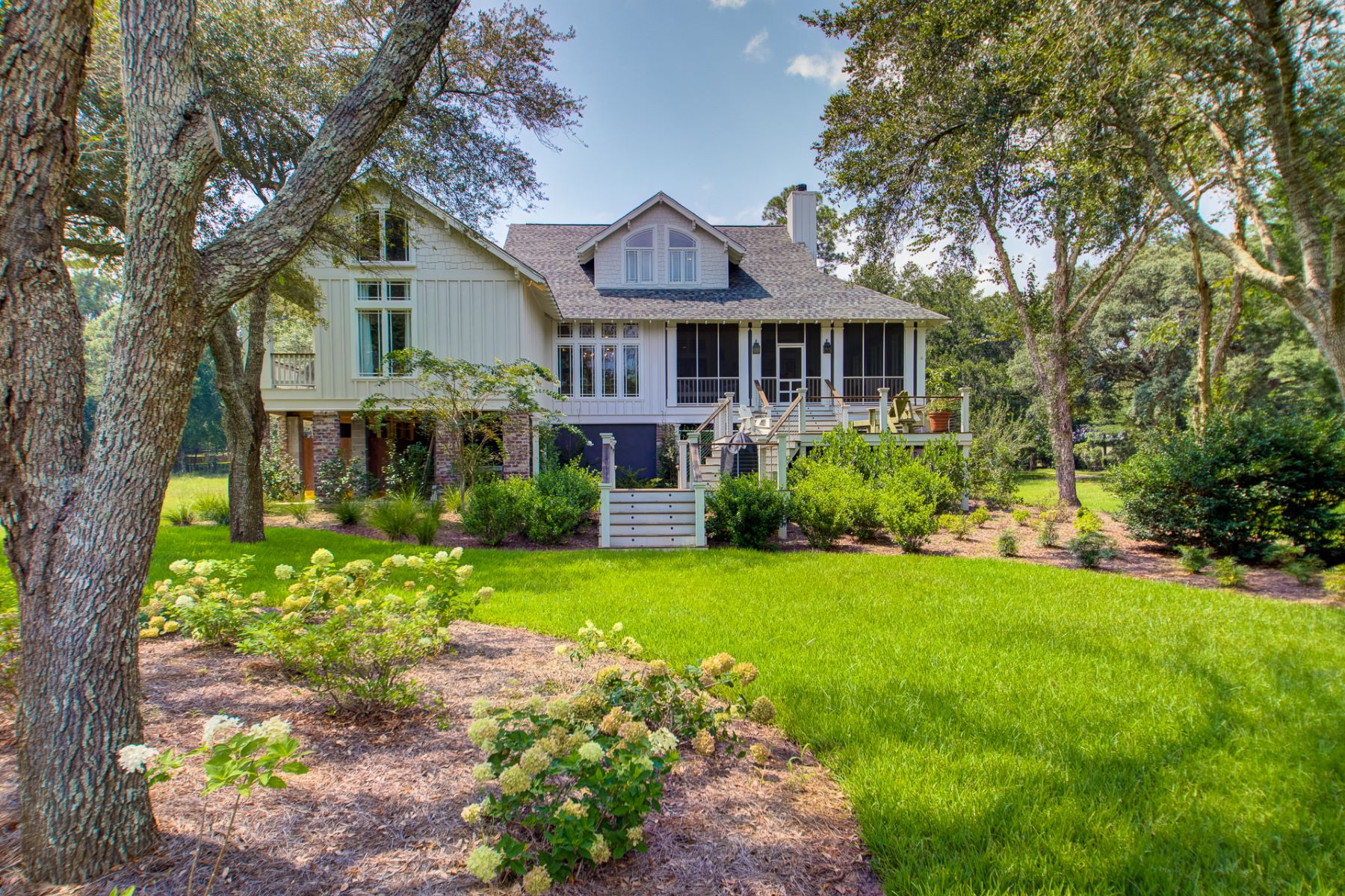 Single Family Home for Active at 16950 River Drive (Fish River) 16950 River Drive Fairhope, Alabama 36532 United States