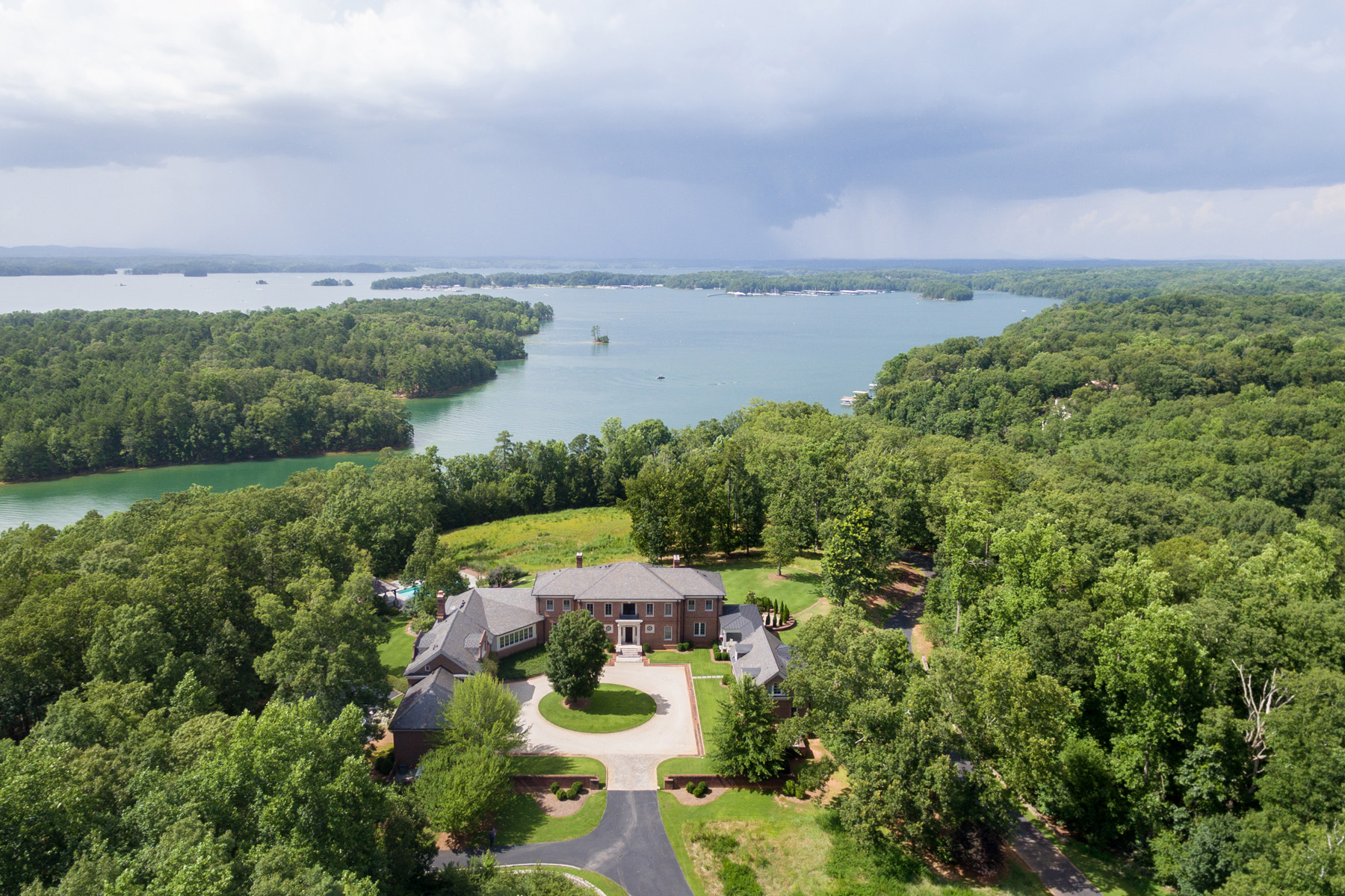 Single Family Homes for Sale at Commanding Residence Overlooking Lake Lanier 6531 Athletic Club Drive Flowery Branch, Georgia 30542 United States