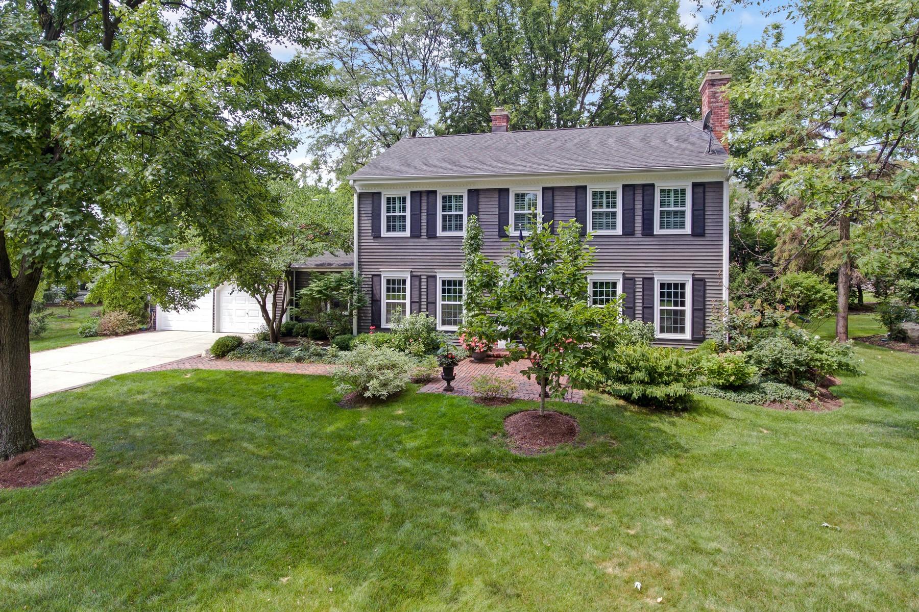 Maison unifamiliale pour l Vente à 800 Harding Road, Hinsdale Hinsdale, Illinois, 60521 États-Unis