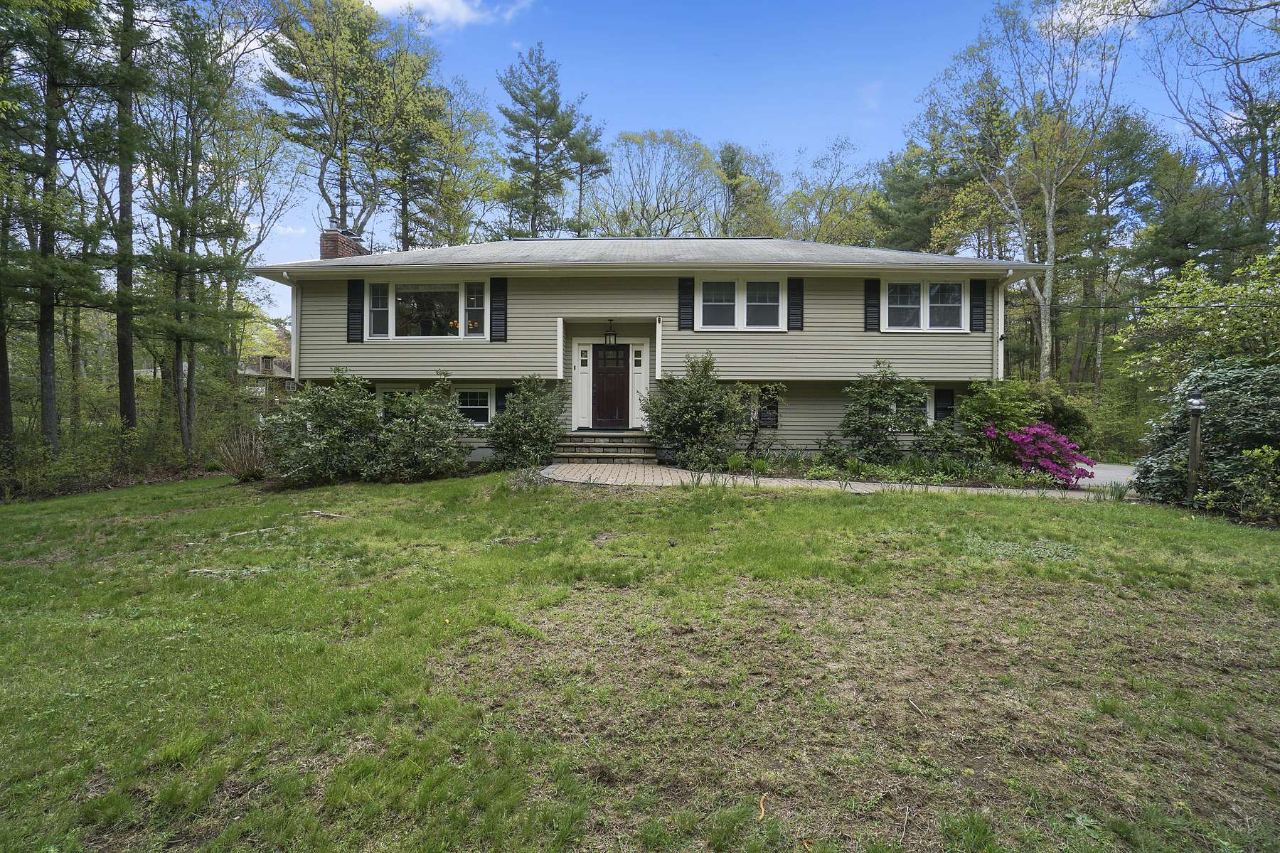 Single Family Homes for Active at 6 Troutbrook Rd, Dover 6 Troutbrook Road Dover, Massachusetts 02030 United States
