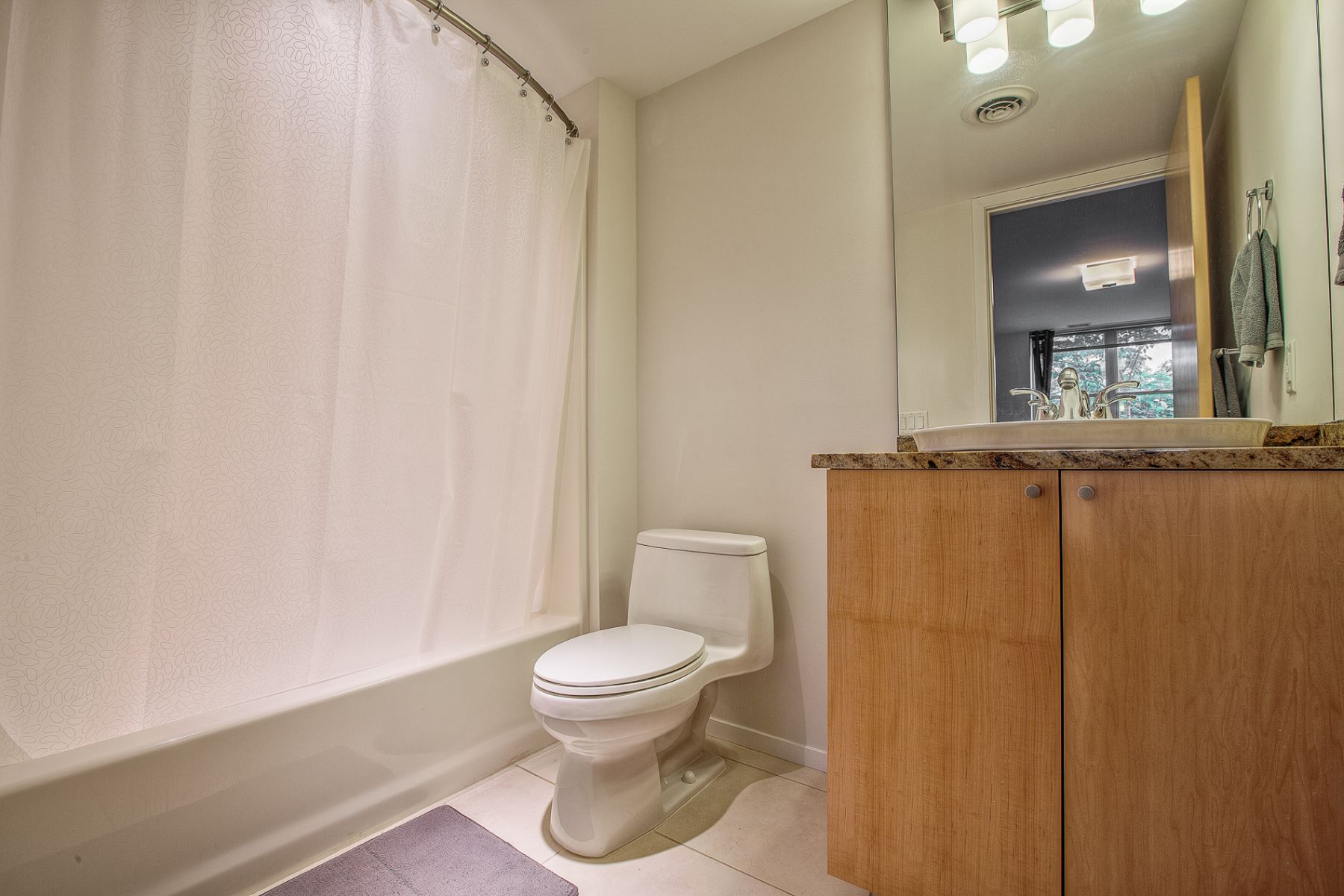 Additional photo for property listing at Champion Way Drive 375 Champion Way Drive 鲍尔温, 密苏里州 63011 美国