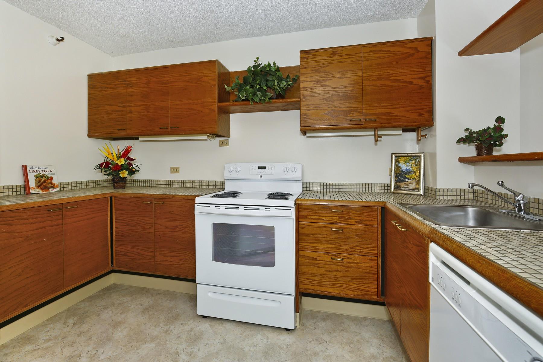 Condominium for Sale at Rarely Available Beautiful Nuuanu Condo 2102 Nuuanu Ave #2202 Honolulu, Hawaii 96817 United States