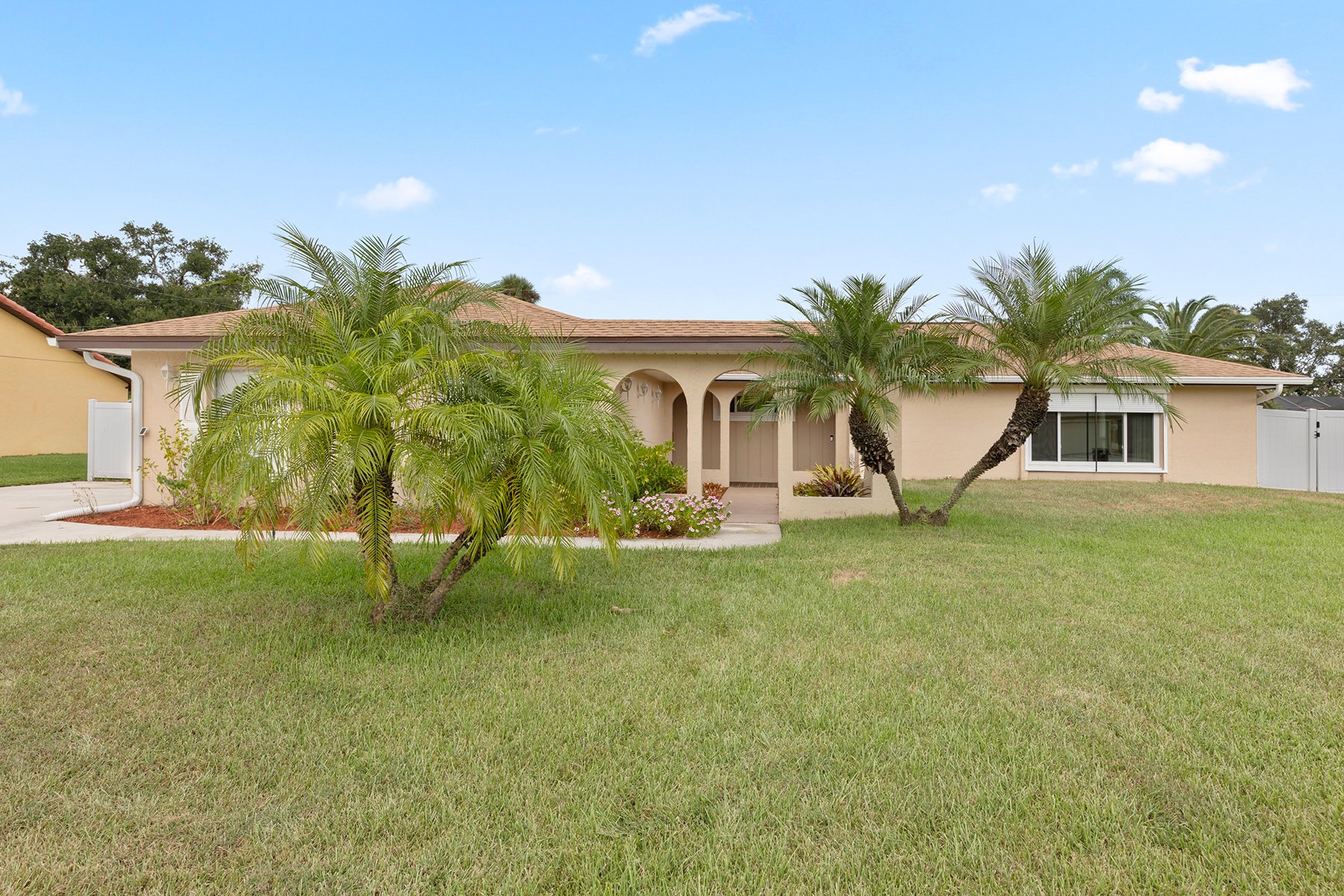 Single Family Homes for Sale at COUNTRY CLUB ESTATES 1733 Englewood Avenue Lehigh Acres, Florida 33936 United States