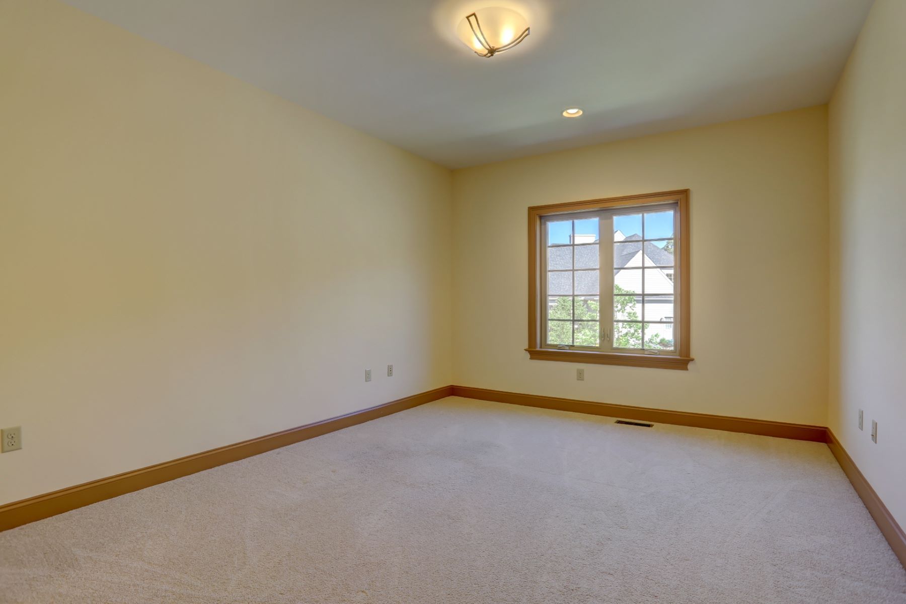 Additional photo for property listing at 363 Spring Haven Drive  Lancaster, Pennsylvania 17601 United States