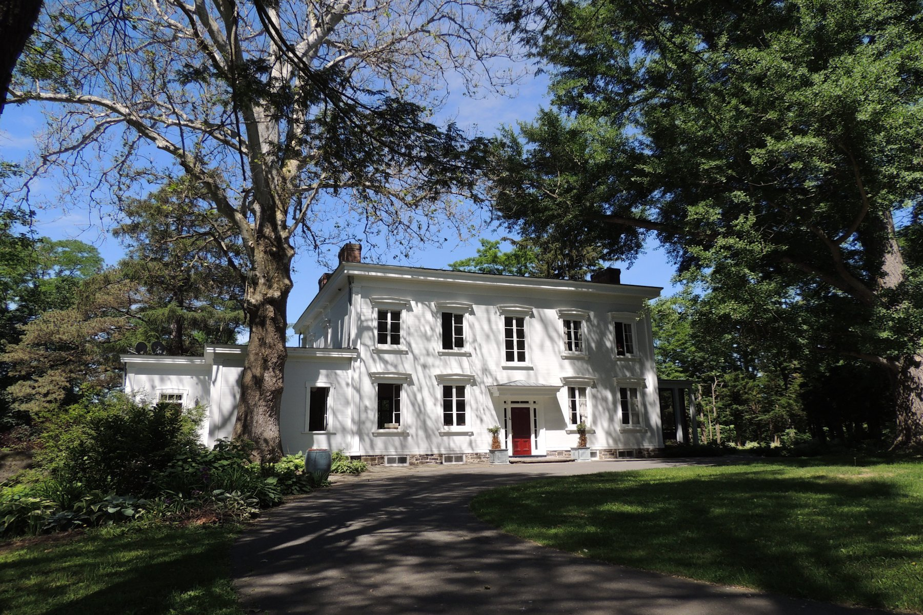 Villa per Vendita alle ore Historic Treasure 2270 River Road Castleton On Hudson, New York 12033 Stati Uniti