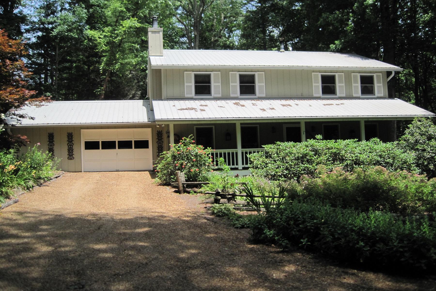 Einfamilienhaus für Verkauf beim 725 Billy Cabin Road Highlands, North Carolina, 28741 Vereinigte Staaten