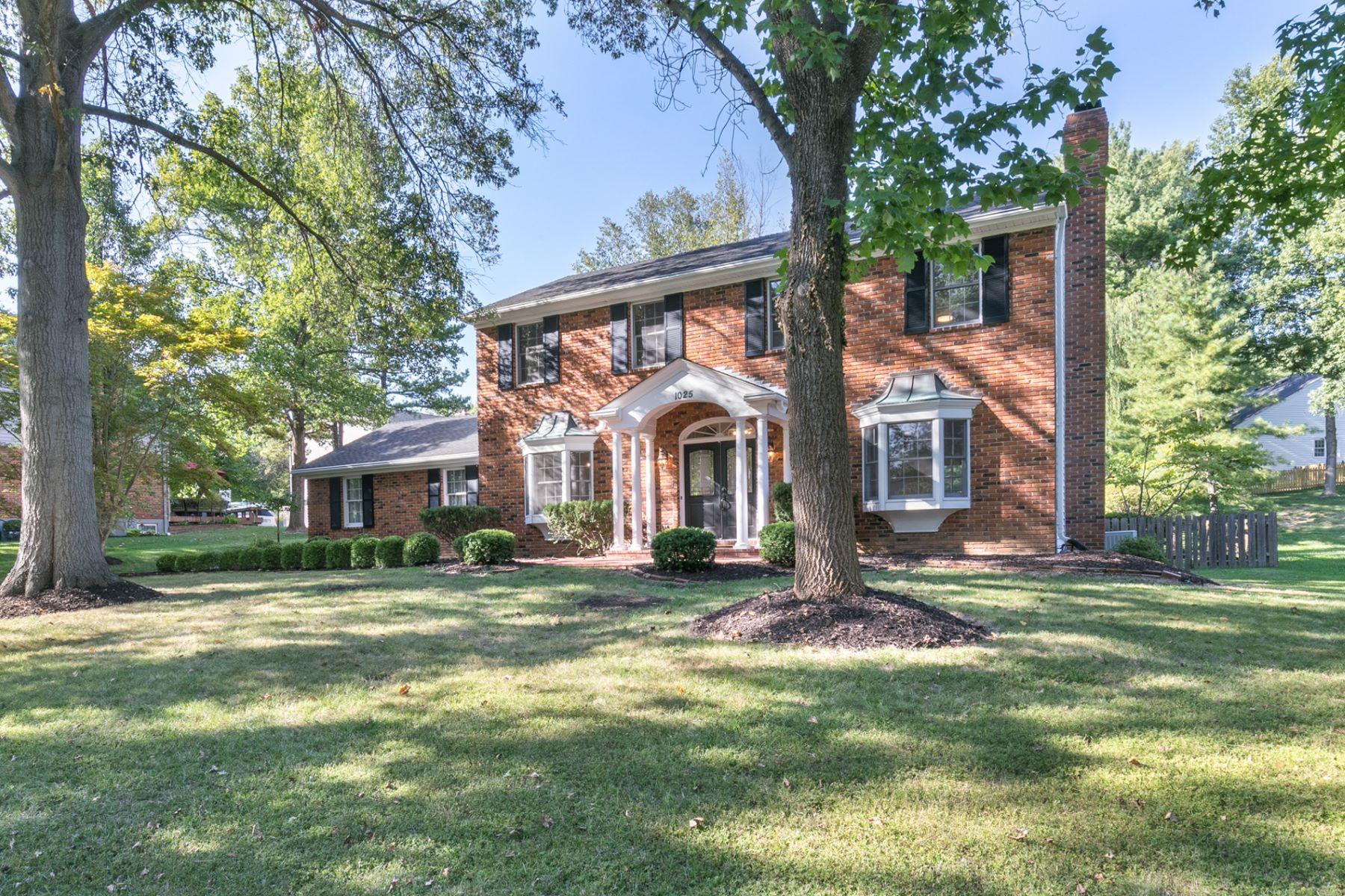 Additional photo for property listing at Del Ebro Dr 1025 Del Ebro Dr Ballwin, Missouri 63011 United States