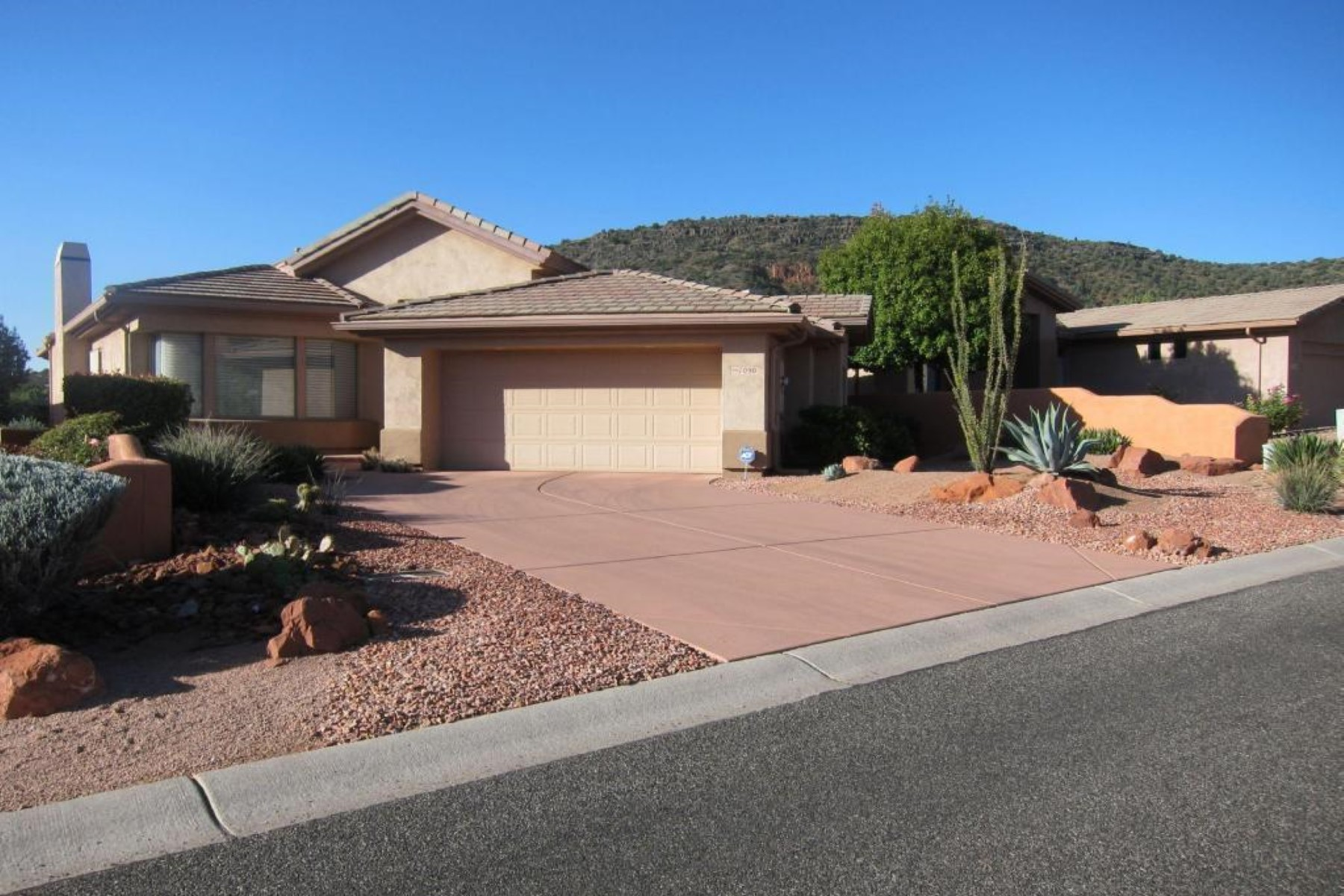 Single Family Home for Sale at Immaculate Home in Pristine Condition 1090 Crown Ridge Rd, Sedona, Arizona, 86351 United States