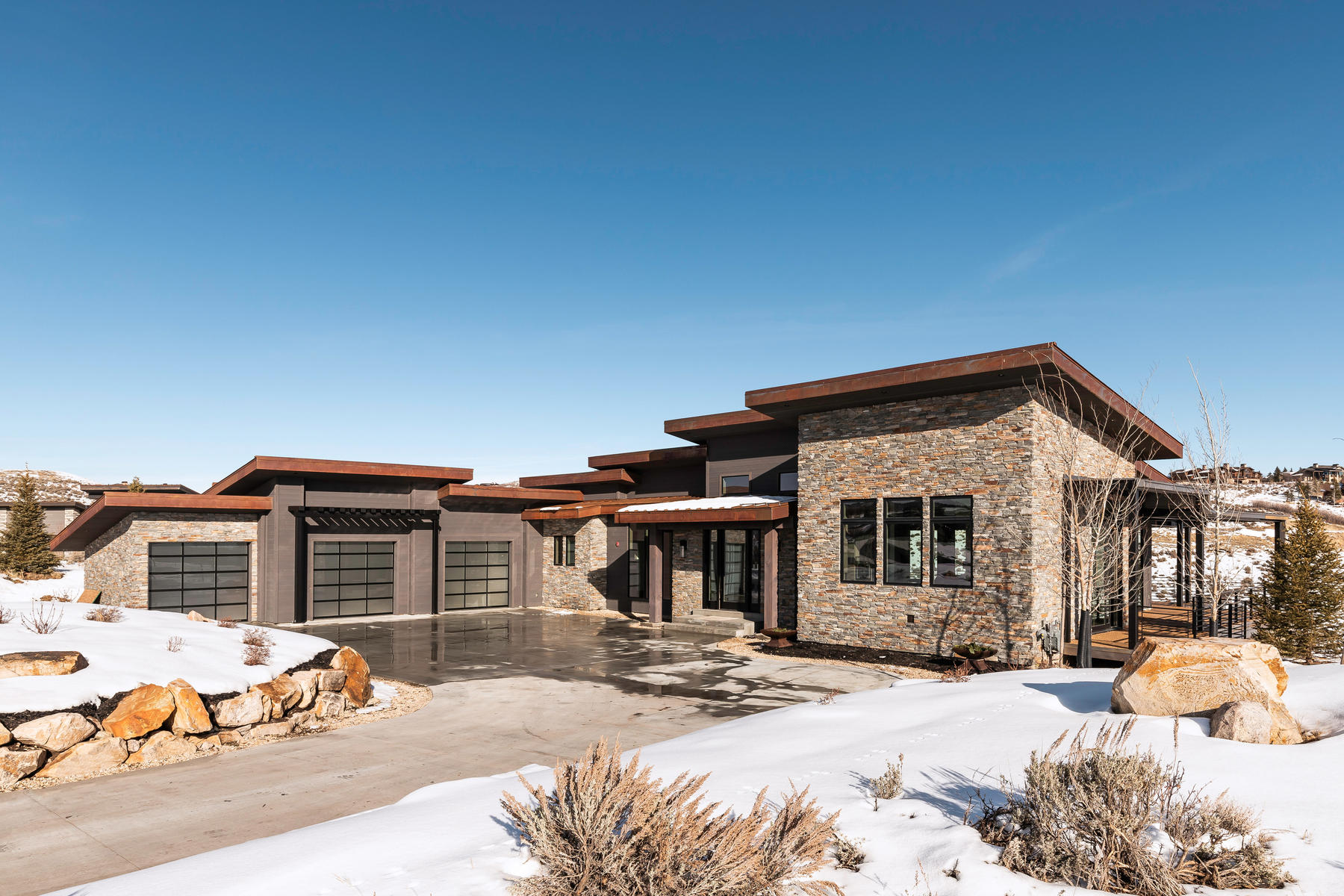 Single Family Homes por un Venta en New, Modern Home With Amazing Golf And Ski Views In Promontory 8744 N Promontory Ridge Dr Park City, Utah 84098 Estados Unidos