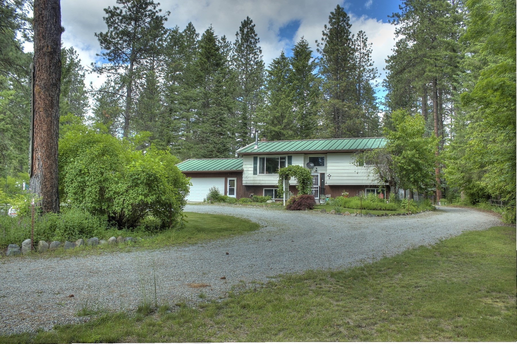 Single Family Homes للـ Sale في Peaceful Pines 507 Diamond Heights, Oldtown, Idaho 83822 United States