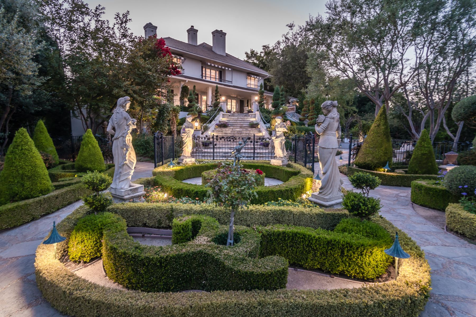 獨棟家庭住宅 為 出售 在 Beauty & Magnificent Setting on this 33± Acre Estate 5405 Vineyard Drive, Paso Robles, 加利福尼亞州, 93446 美國