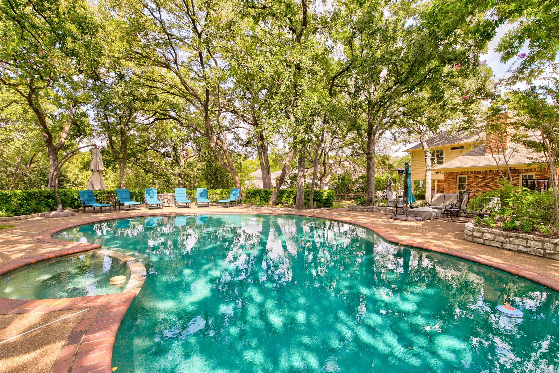 Single Family Homes for Sale at Located in the Heart of Colleyville 4102 Trail Bend Court Colleyville, Texas 76034 United States