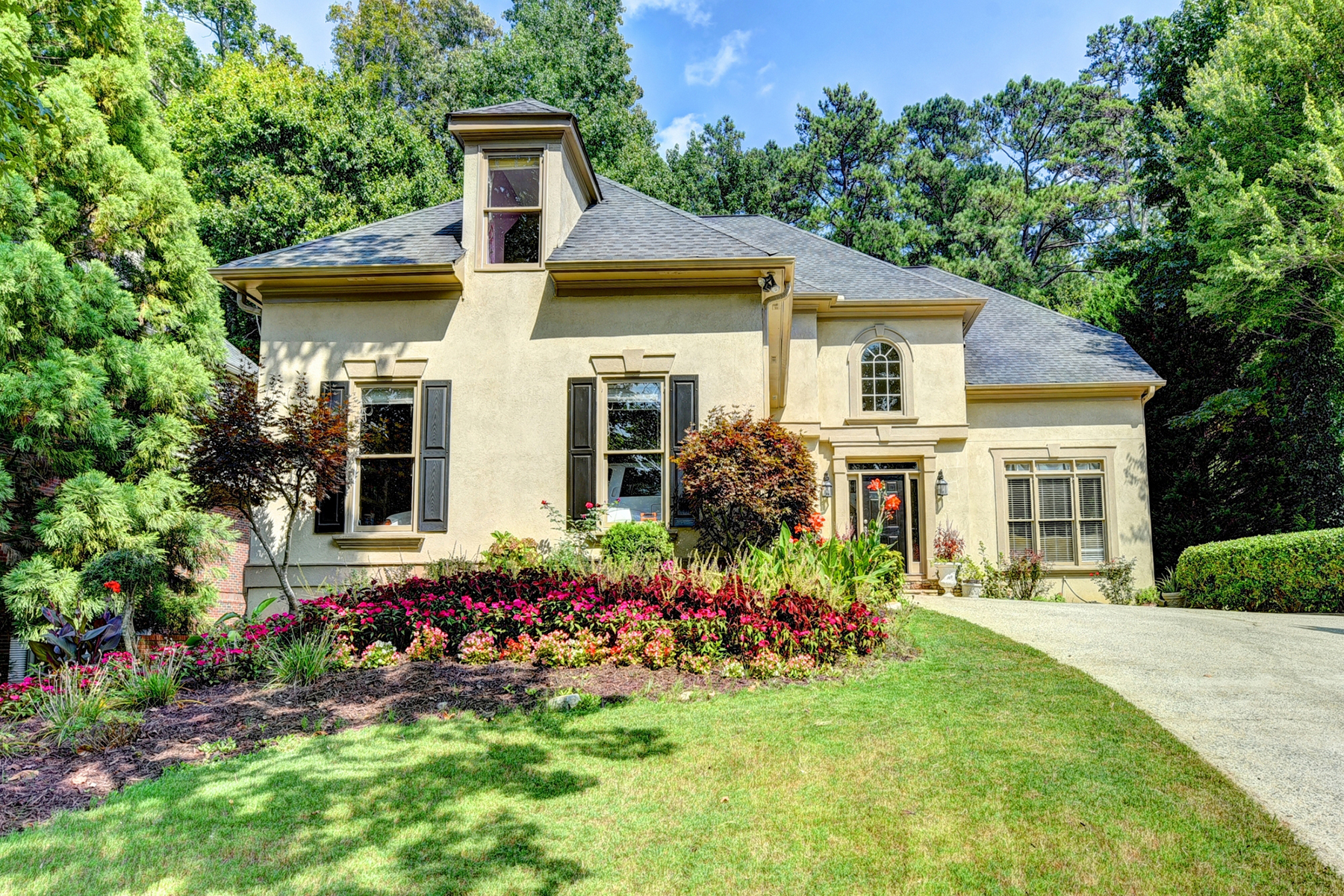 Single Family Home for Sale at Incredible Home On A Fabulous Private Double Lot 5405 Buck Hollow Drive Alpharetta, Georgia 30005 United States