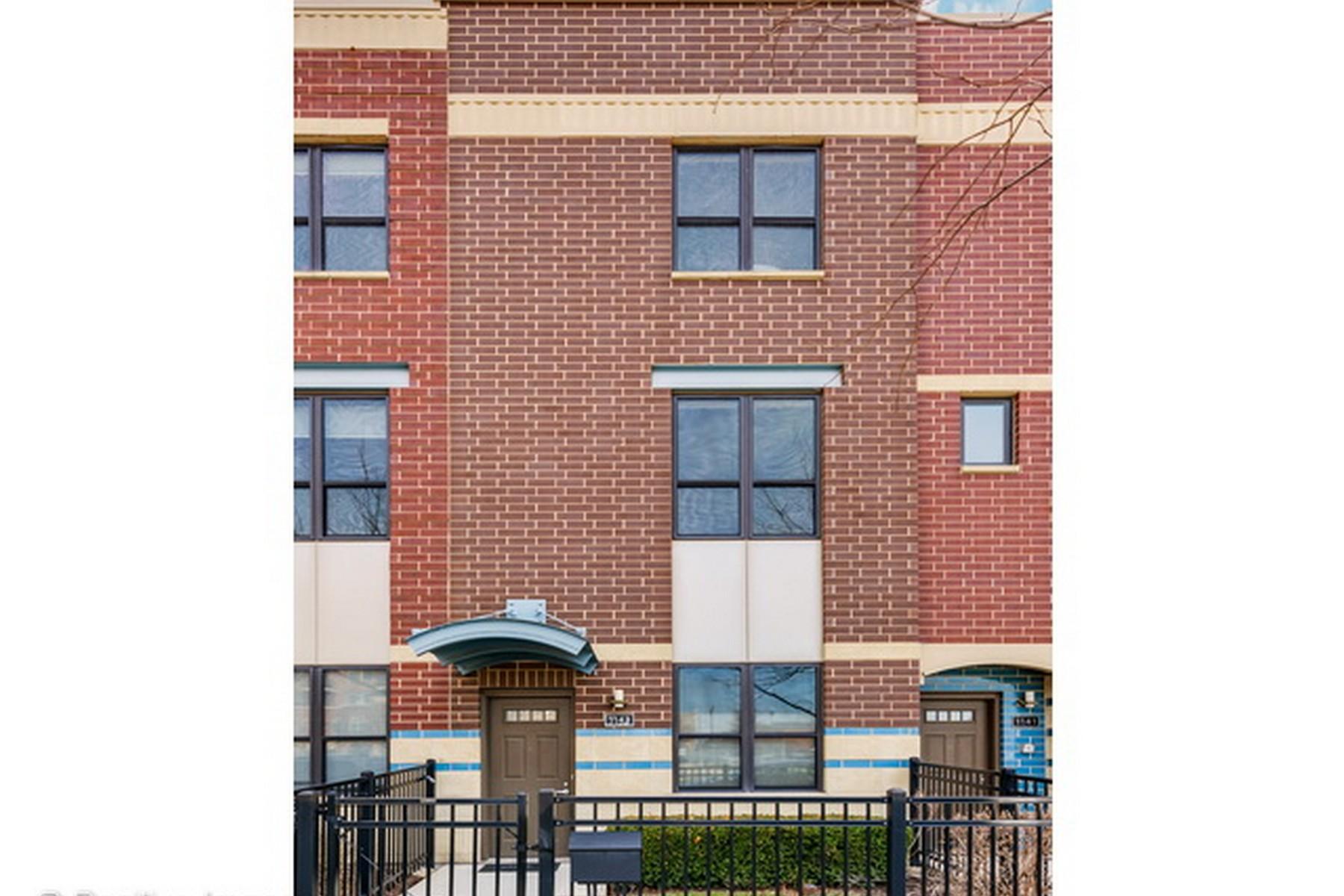 타운하우스 용 매매 에 Fabulous Three Level Townhome 1143 N Cambridge Avenue Unit 14-106 Chicago, 일리노이즈, 60610 미국