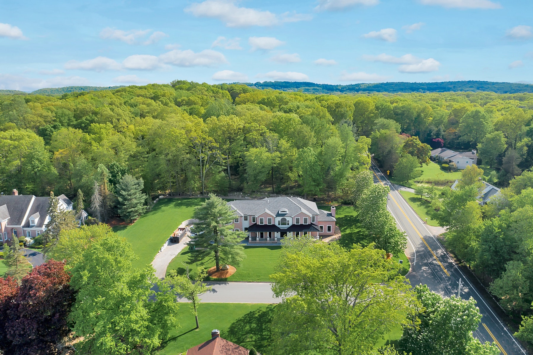 Single Family Homes for Sale at Extraordinary New Construction 718 Wooded Trail Franklin Lakes, New Jersey 07417 United States