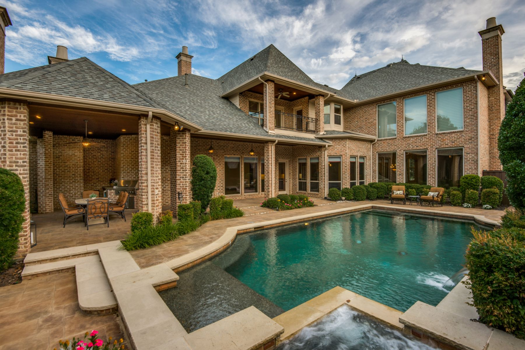 Single Family Homes for Active at Classic and Distinctive! 6422 Memorial Drive Frisco, Texas 75034 United States