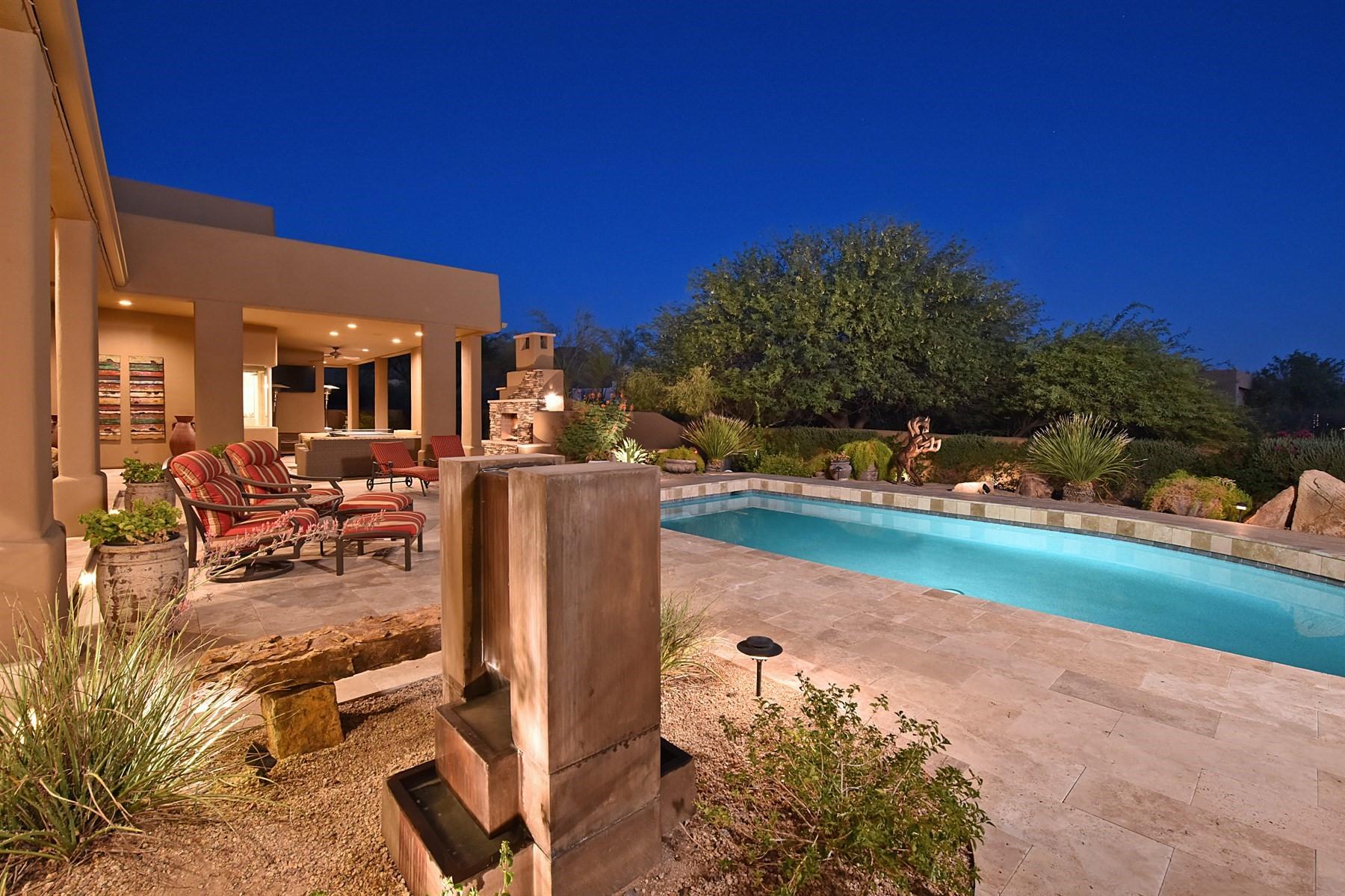 Maison unifamiliale pour l Vente à Custom remodeled home in the heart of Pinnacle Peak Vistas 9319 E Sands Dr Scottsdale, Arizona, 85255 États-Unis