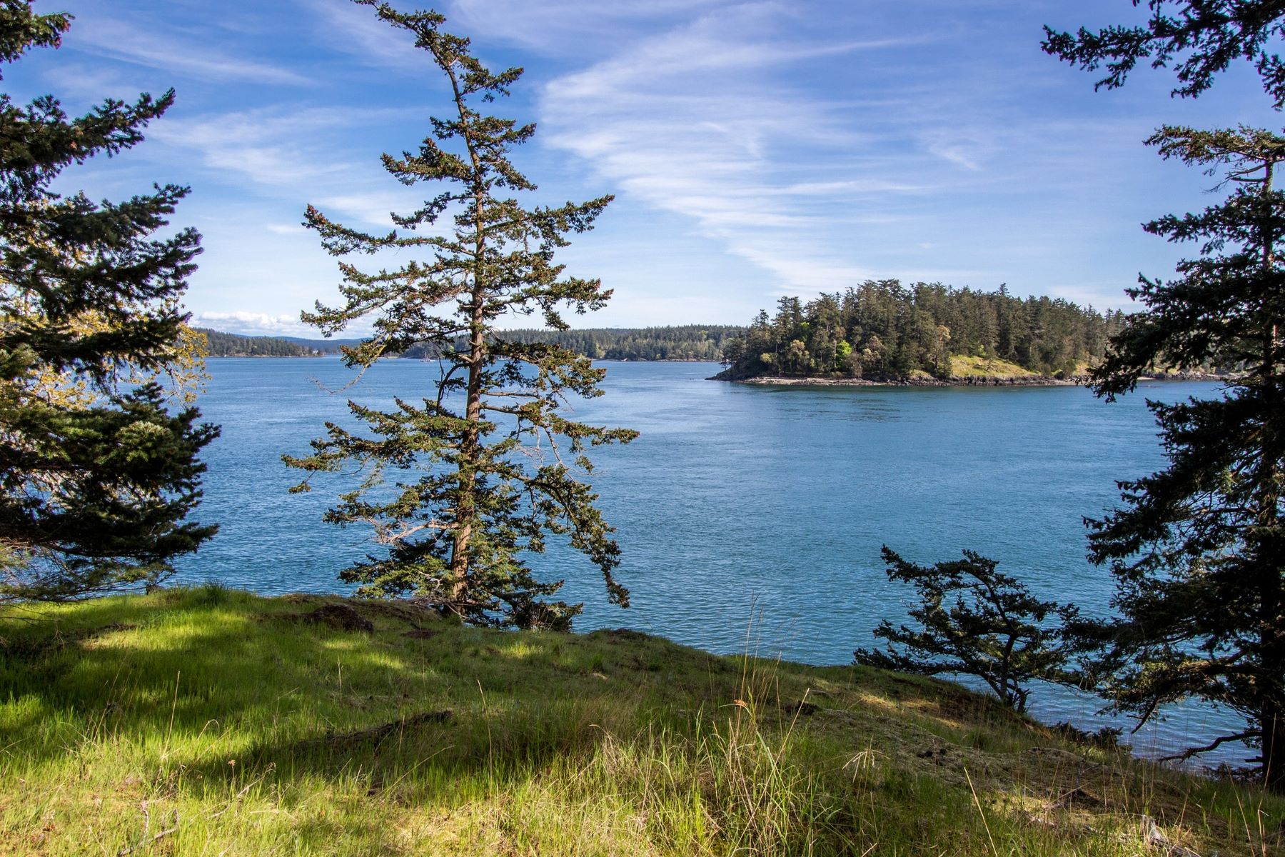Terreno por un Venta en South Facing Waterfront Lot 1700 Spring Point Road Deer Harbor, Washington, 98243 Estados Unidos