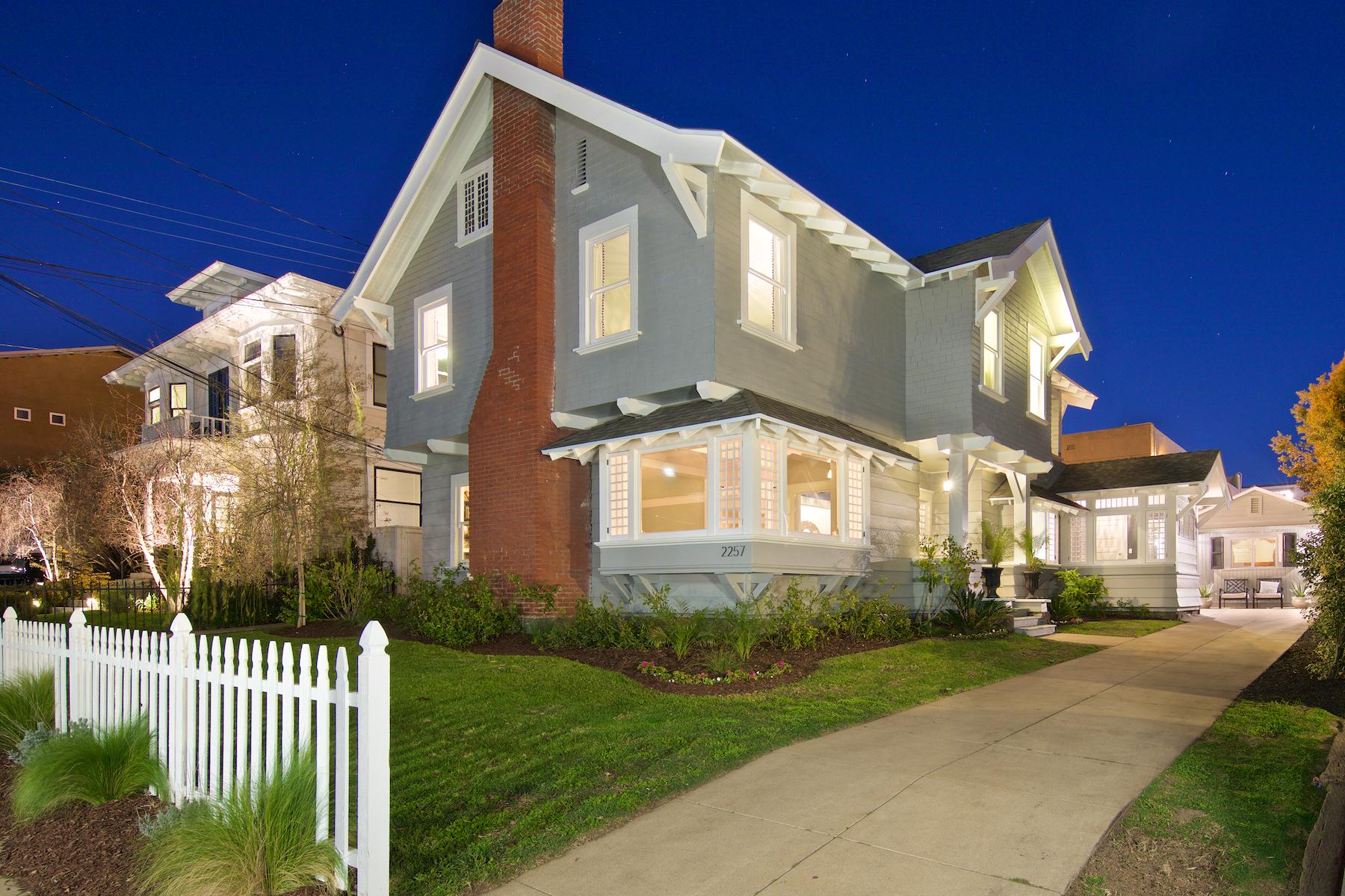 Maison unifamiliale pour l Vente à 2257 Front Street San Diego, Californie, 92101 États-Unis