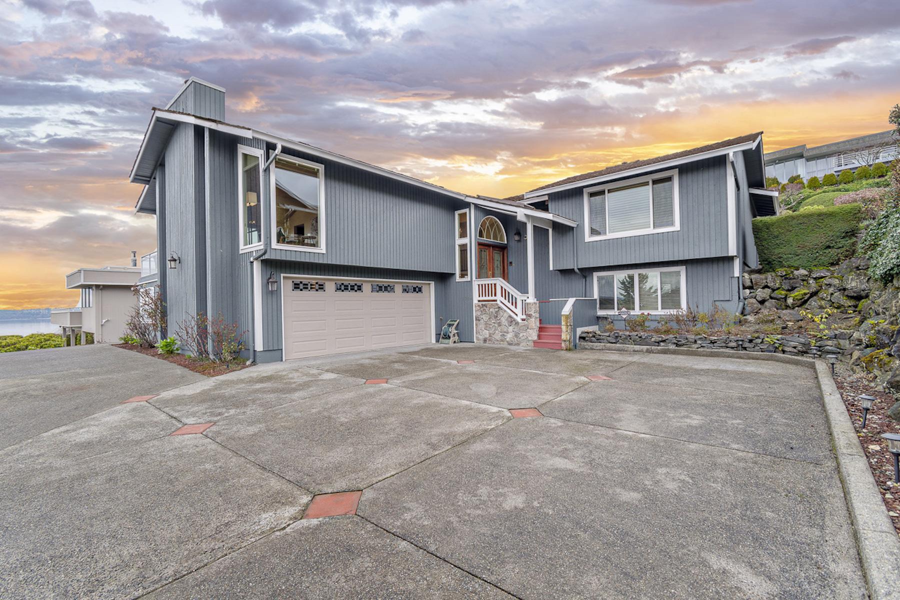 Single Family Homes por un Venta en Superior Views in Marine Hills 28904 5th Ave S Federal Way, Washington 98003 Estados Unidos