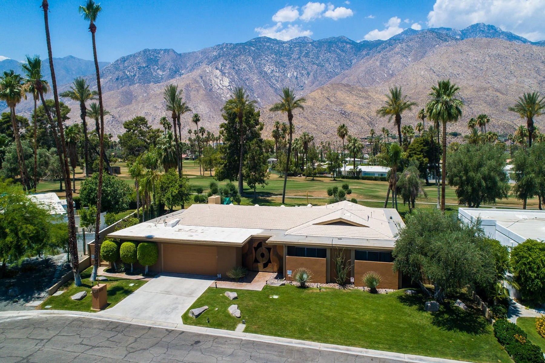 Single Family Home for Sale at 2481 s. Yosemite 2481 S. Yosemite Dr Palm Springs, California 92264 United States