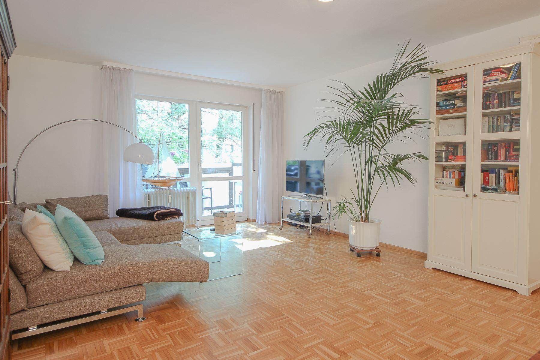 Apartamento por un Venta en Apartment with Cult Status Frankfurt, Hessen, Alemania