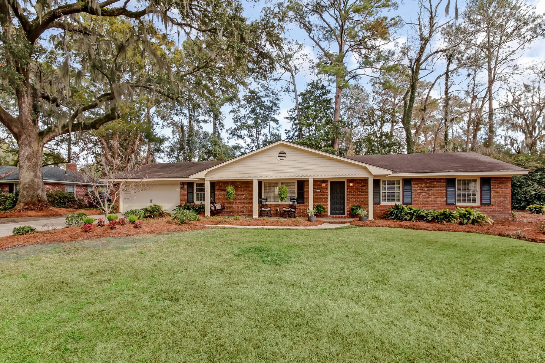 Single Family Home for Sale at 17 Raleigh Drive 17 Raleigh Dr Savannah, Georgia 31406 United States