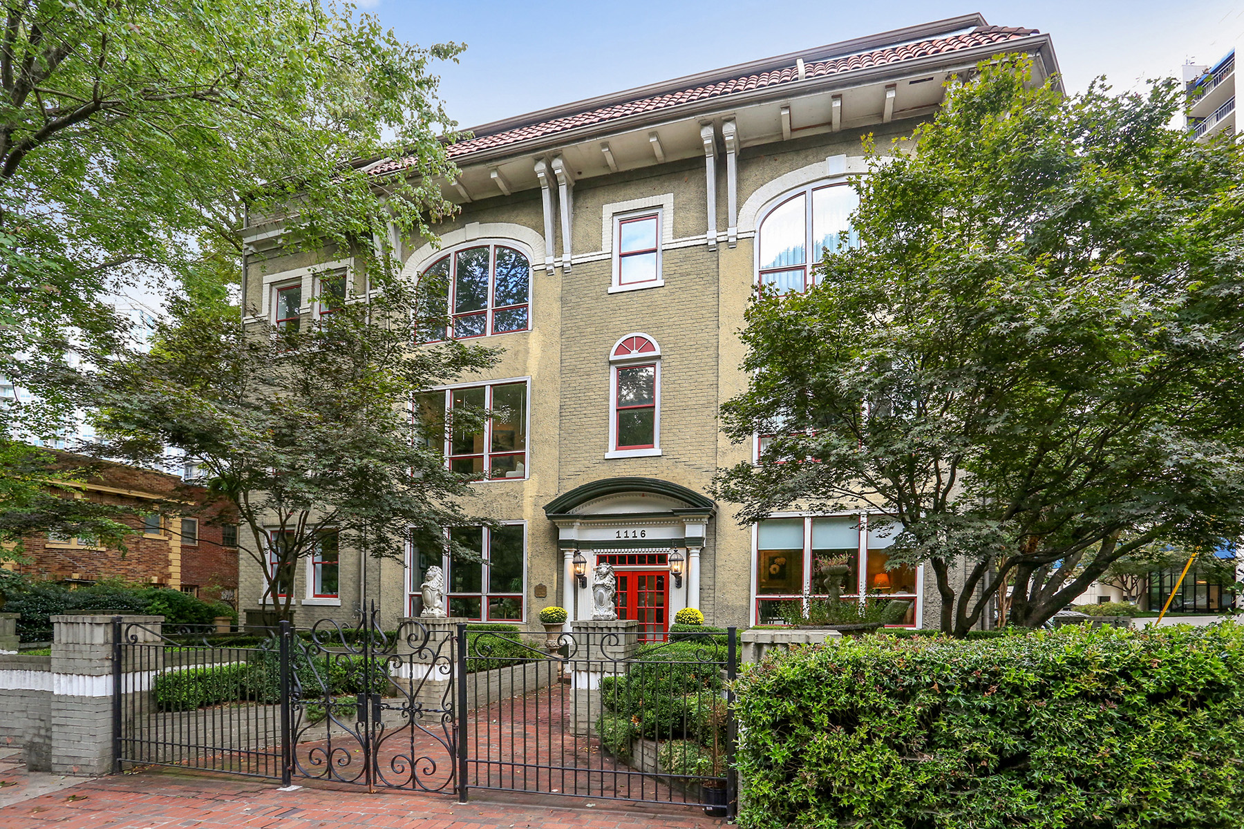 Condominium for Sale at Historic Condo Overlooking Piedmont Park 1116 Piedmont Avenue NE No. 3 Atlanta, Georgia 30309 United States