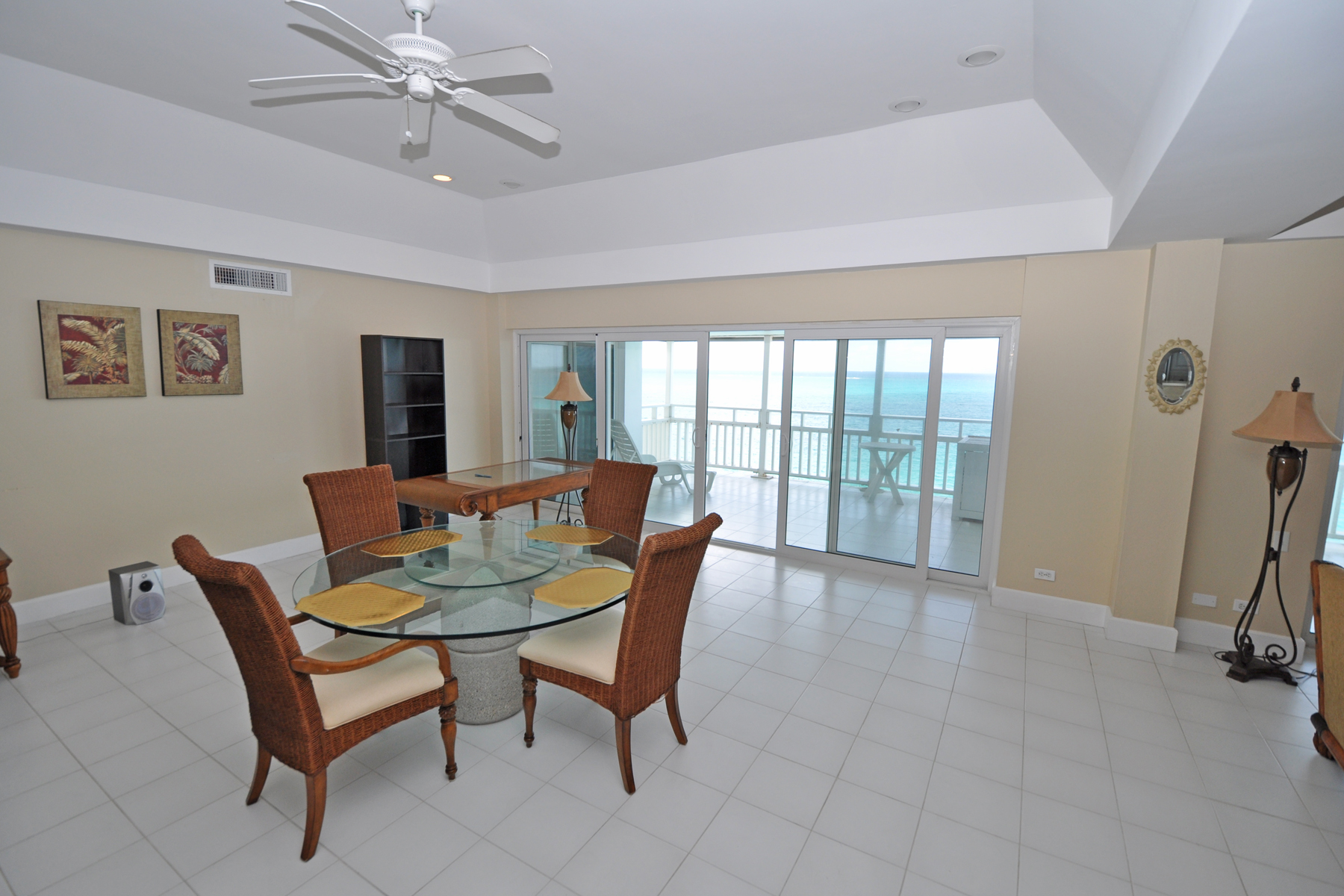 Additional photo for property listing at Conchrest Penthouse Cable Beach, New Providence/Nassau Bahamas