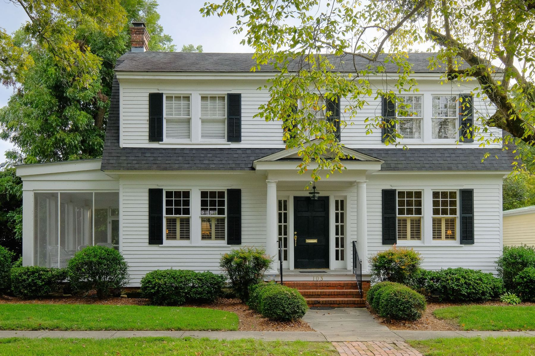 Single Family Home for Sale at Handsome Historic District 103 W Church Street Edenton, North Carolina, 27932 United States