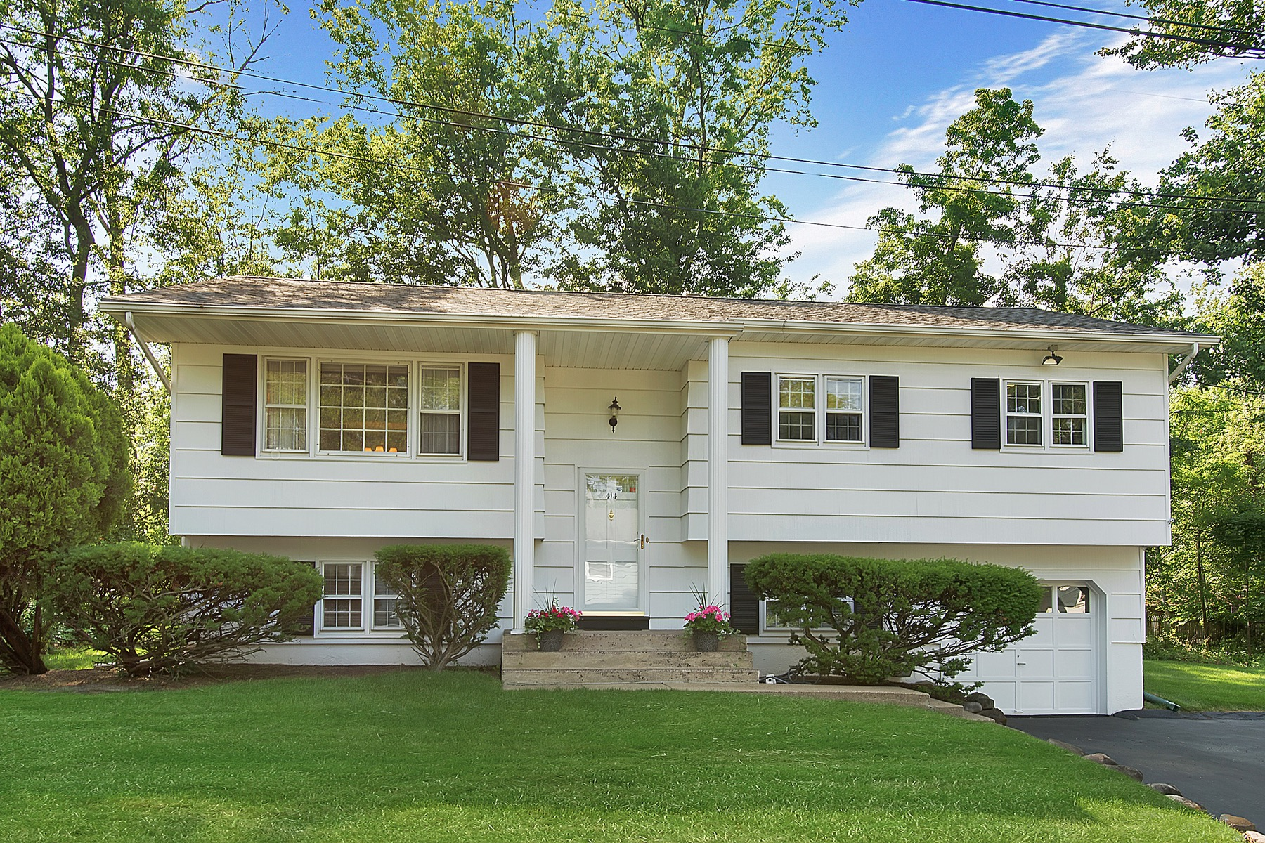 Single Family Home for Sale at Lovely Home in Quiet Setting 414 Maple Avenue Upper Nyack, New York, 10960 United States