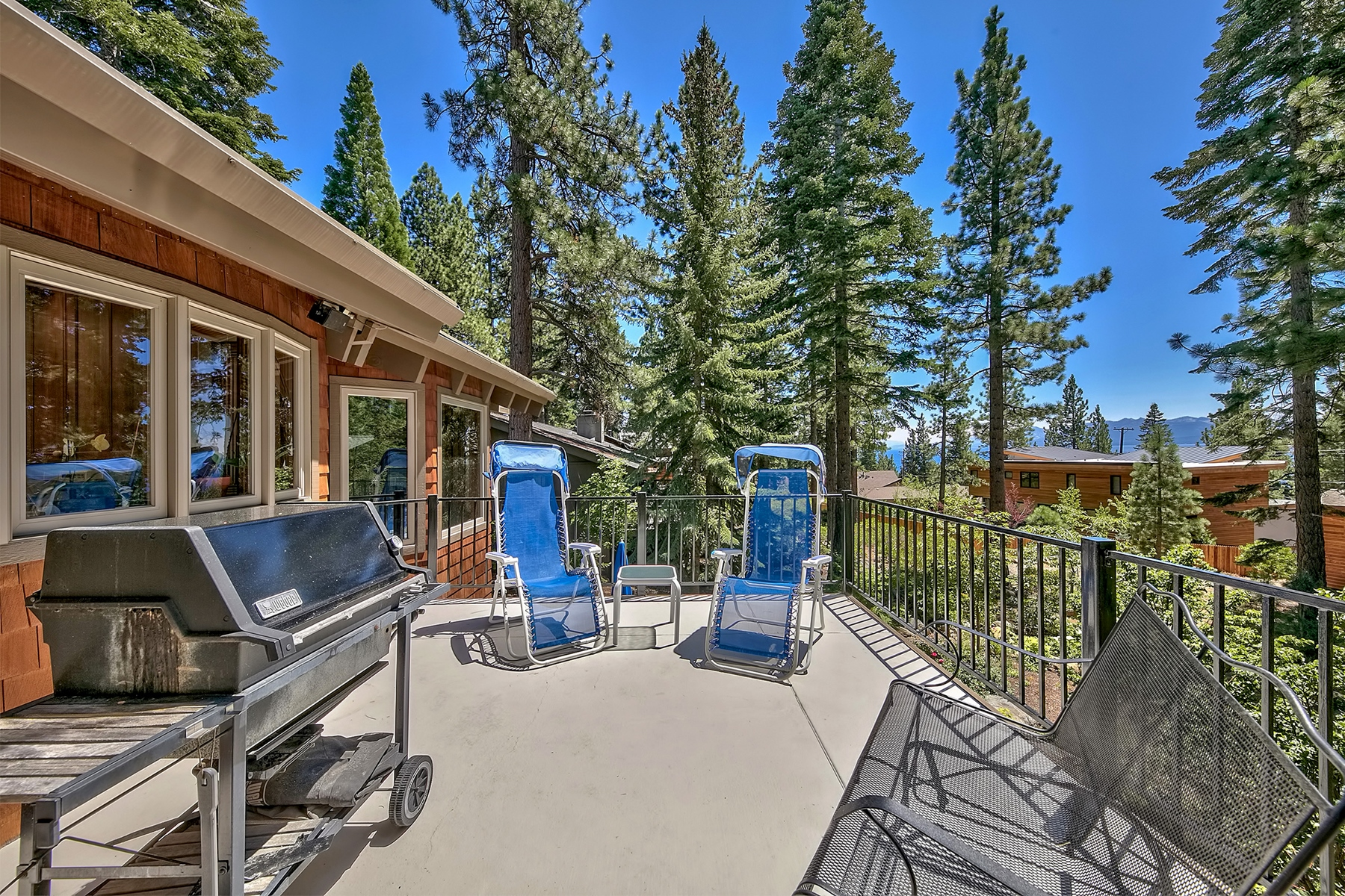 Additional photo for property listing at 137 Marlette Drive, Tahoe City, CA 137 Marlette Drive Tahoe City, California 96145 Estados Unidos