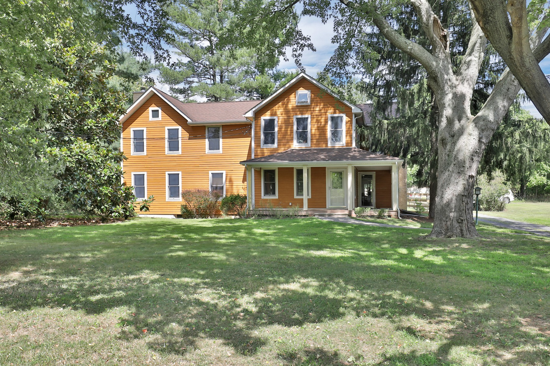 Single Family Homes por un Venta en Charming Farm 151 Dutch Lane Road Colts Neck, Nueva Jersey 07722 Estados Unidos