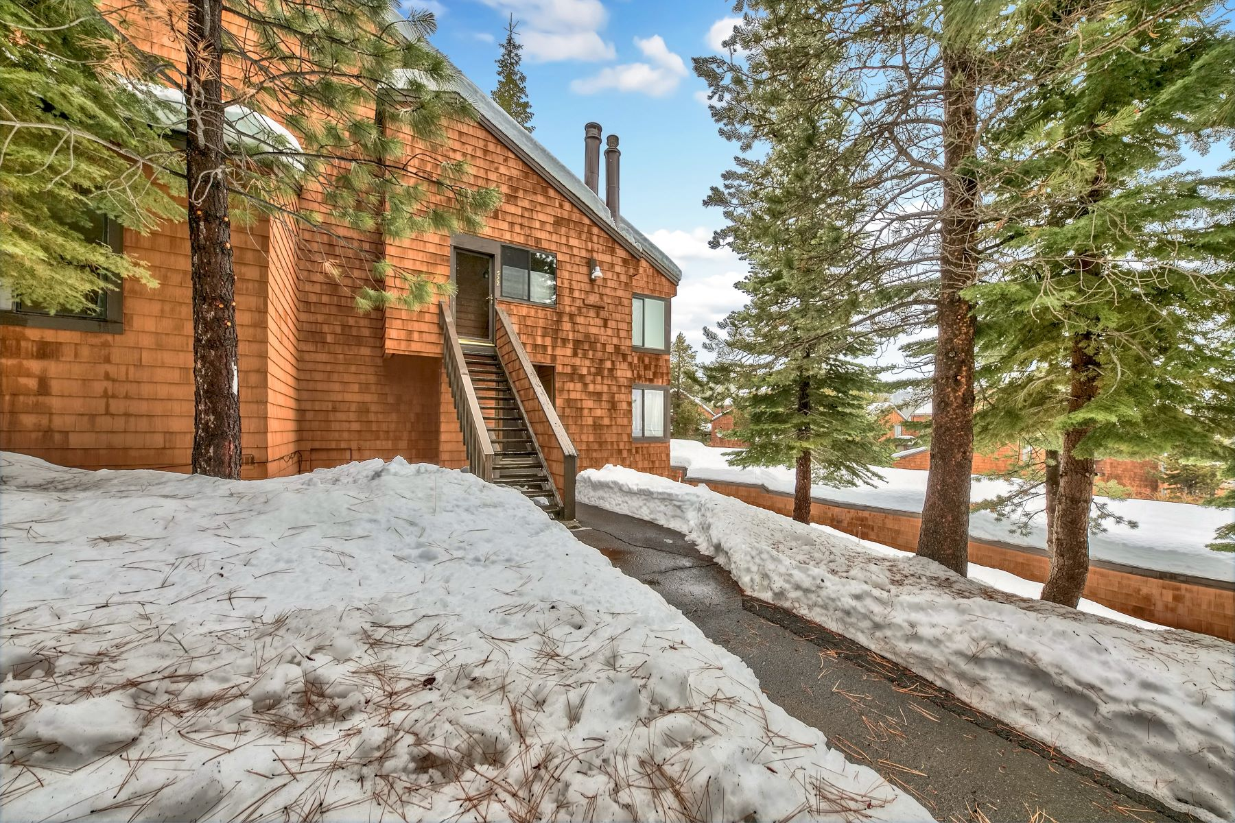 Condominiums por un Venta en 11667 Snowpeak Way #523 Truckee California 96161 11667 Snowpeak Way #523 Truckee, California 96161 Estados Unidos