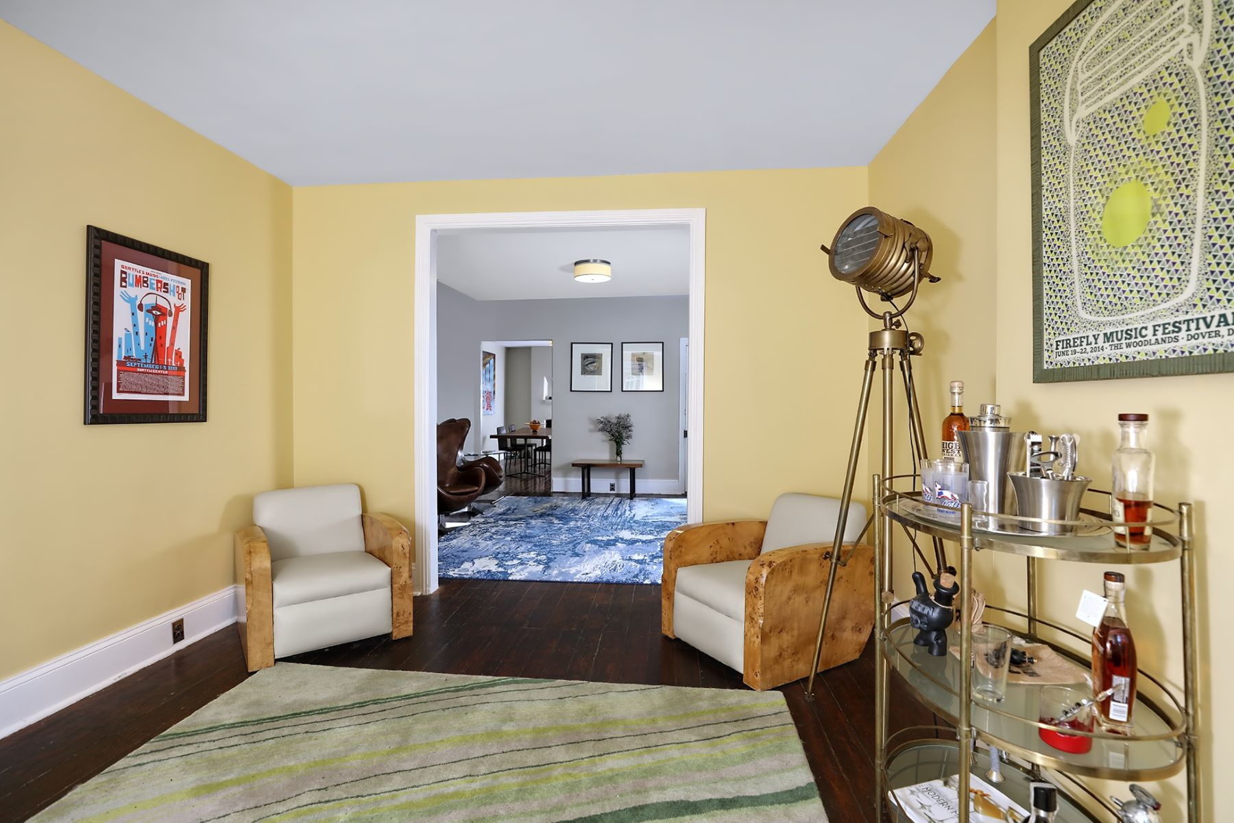Additional photo for property listing at Up-to-date With Floor Space Aplenty 39 Delaware Avenue, Lambertville, New Jersey 08530 United States