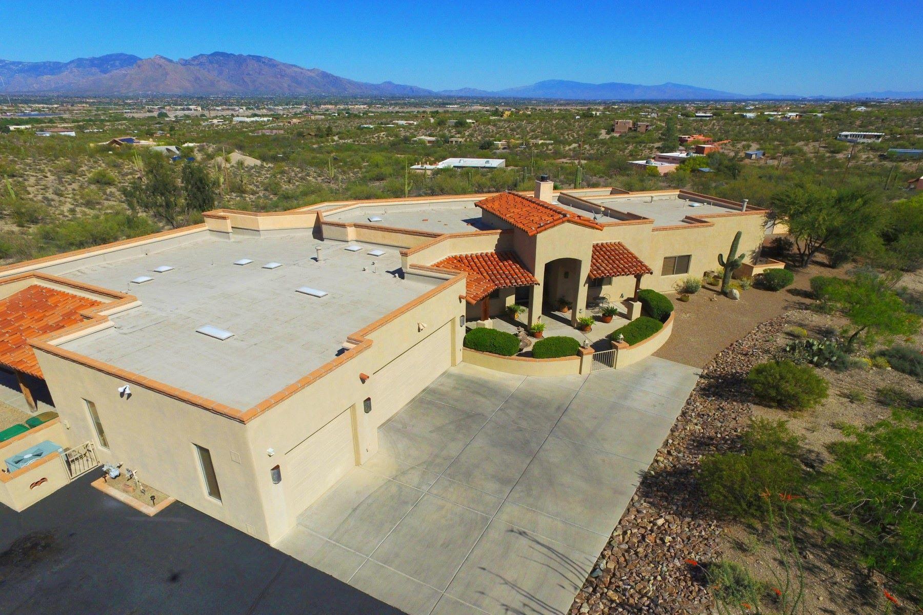 独户住宅 为 销售 在 Lovely Tucson home overlooking the city 5465 W Black Powder Place 图森, 亚利桑那州, 85743 美国