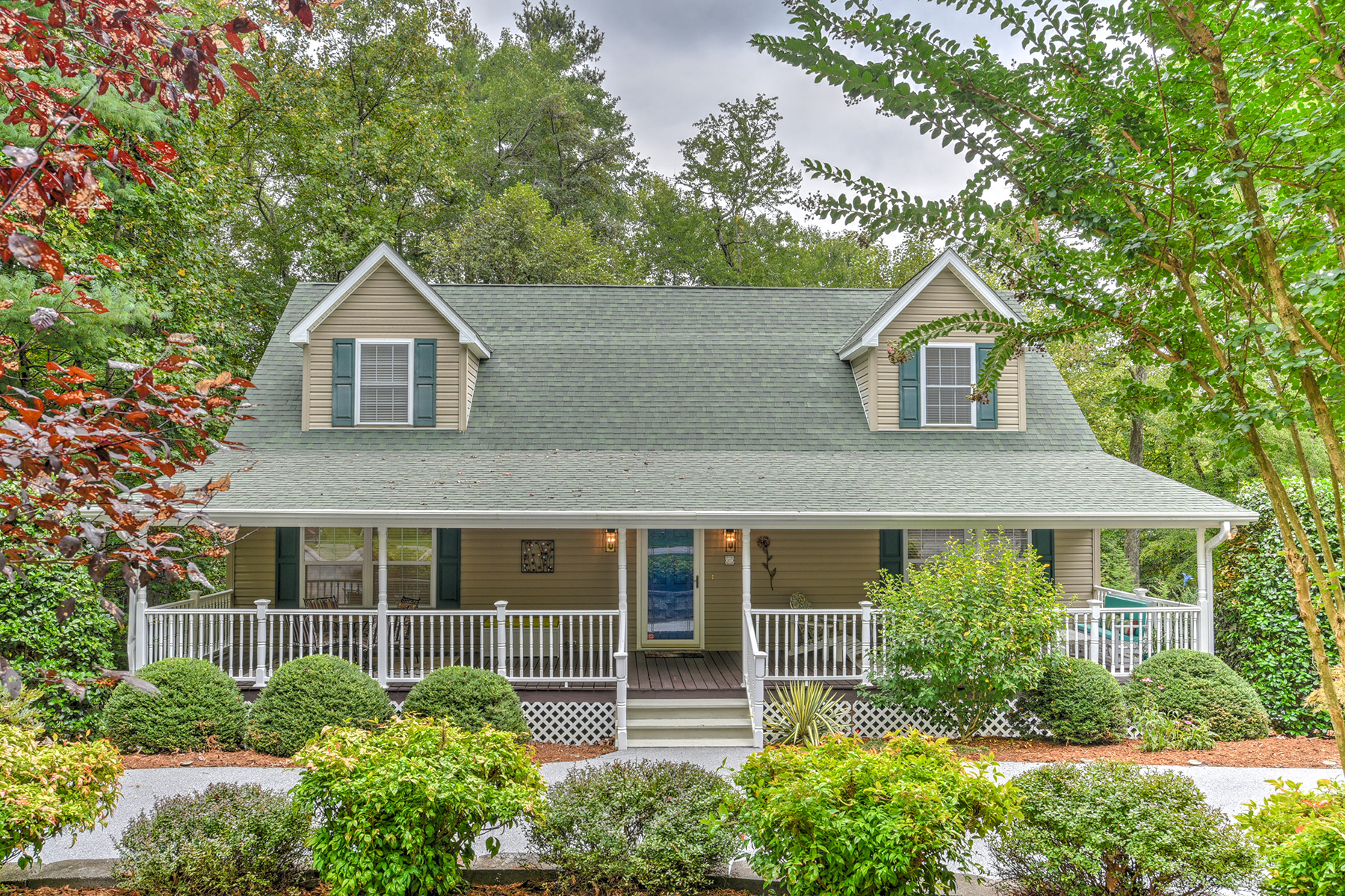 Single Family Homes for Sale at STONEBROOK 107 Mountain Pl Hendersonville, North Carolina 28791 United States