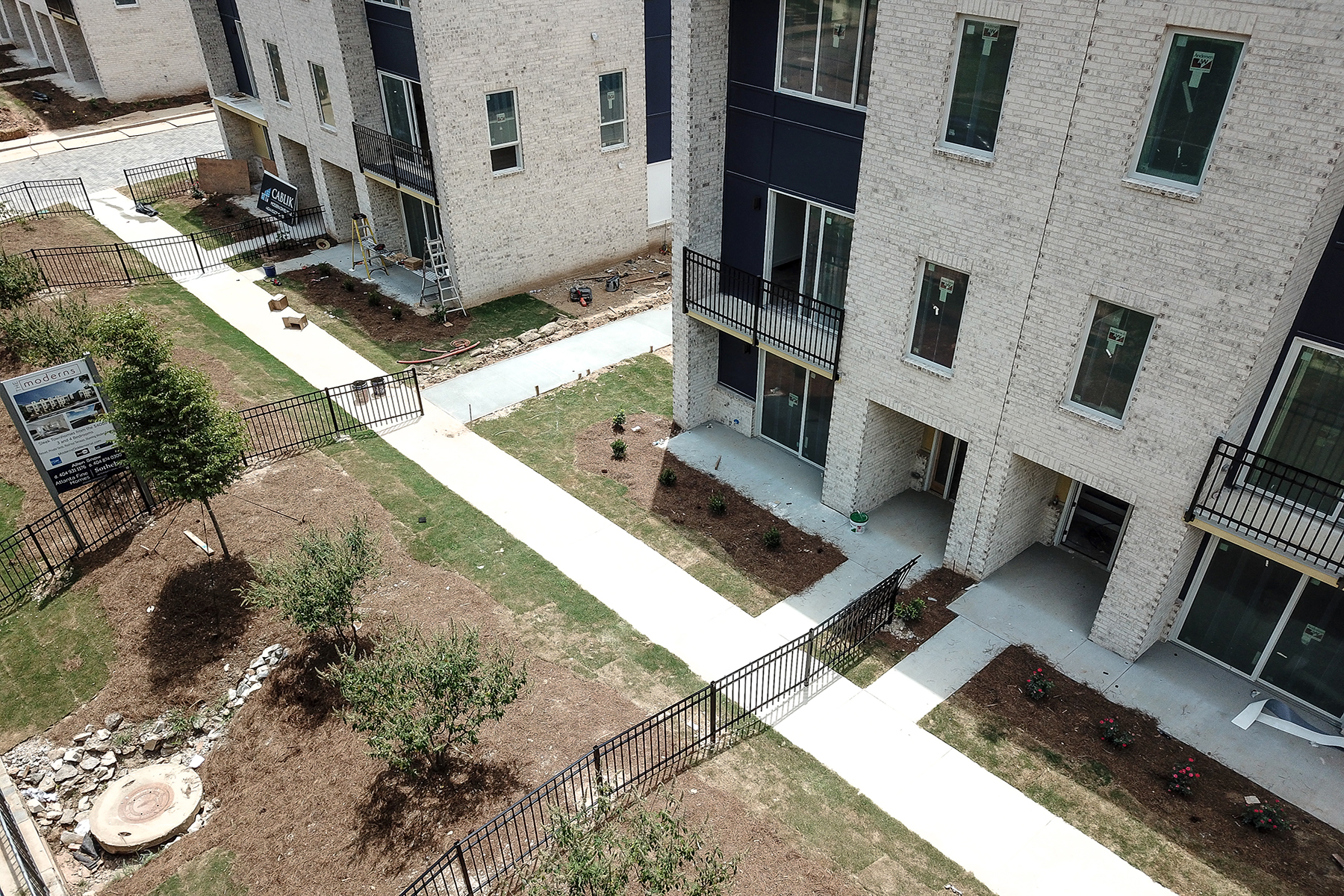 Additional photo for property listing at 62 Modern and Innovative Townhomes Featuring Rooftop Decks 2029 Memorial Drive #2 Atlanta, ジョージア 30317 アメリカ合衆国