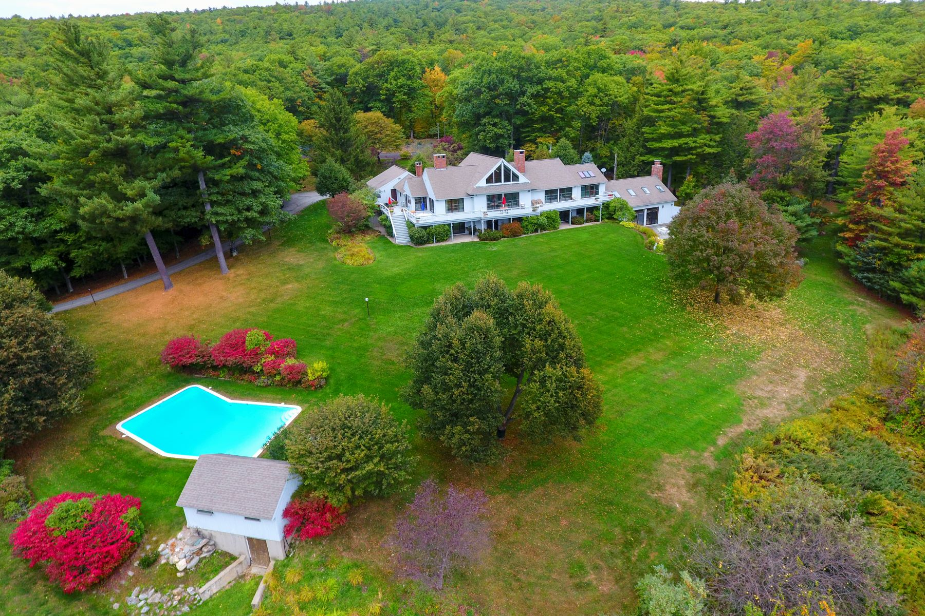 Single Family Homes for Active at Exceptional Estate Property Pinnacle Road Lyndeborough, New Hampshire 03082 United States