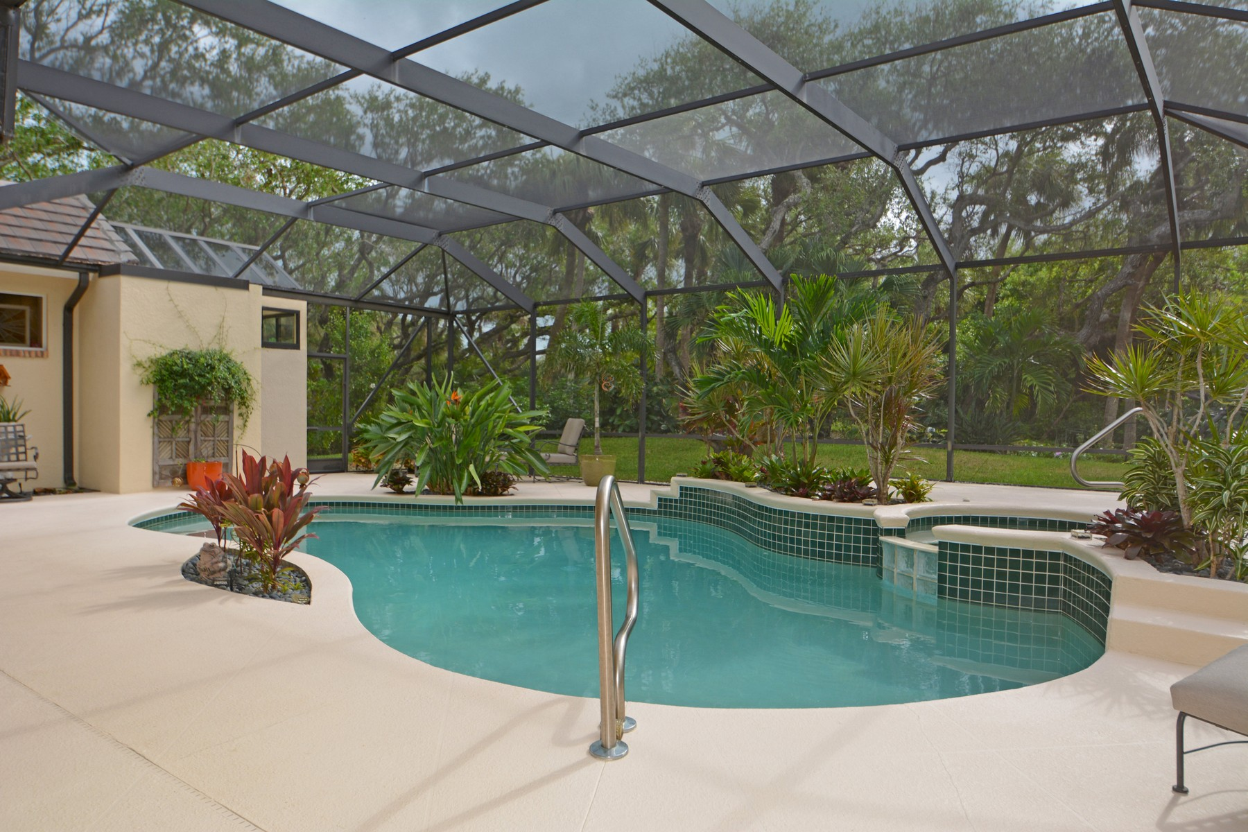 Additional photo for property listing at Magnificent Home with Exquisite Landscaping 11 S. White Jewel Court Indian River Shores, Florida 32963 United States
