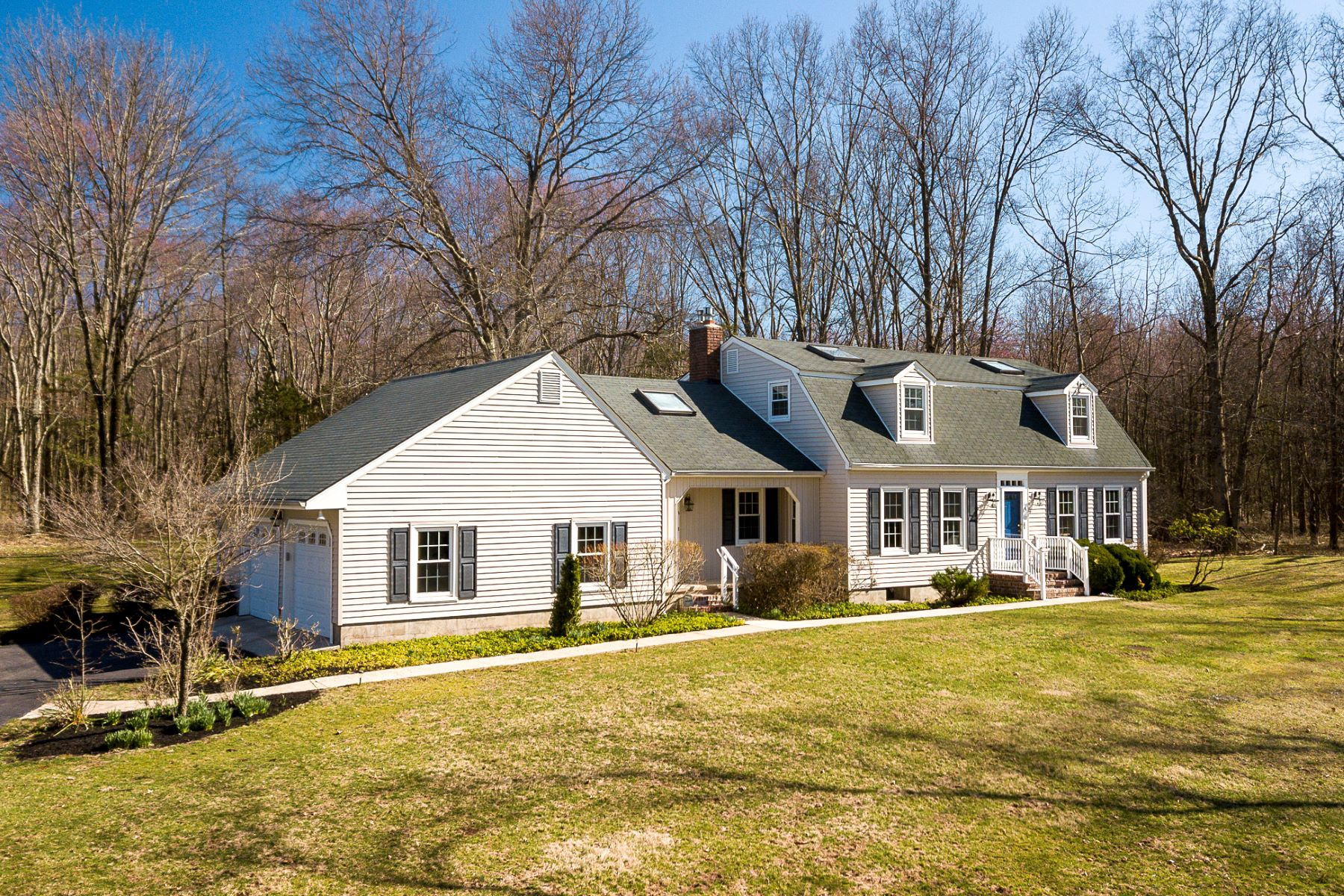 Property για την Πώληση στο Lovely Home, Lovely Setting 13 Cleveland Road West, Princeton, Νιου Τζερσεϋ 08540 Ηνωμένες Πολιτείες