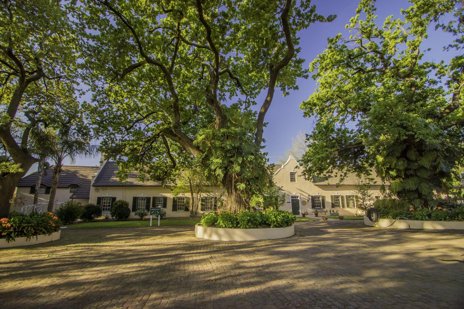 Granjas / Hacienda / Platanción por un Venta en Income Generating and Historic Cape Dutch Lifestyle and Hospitality Estate Paarl, Provincia Occidental Del Cabo Sudáfrica