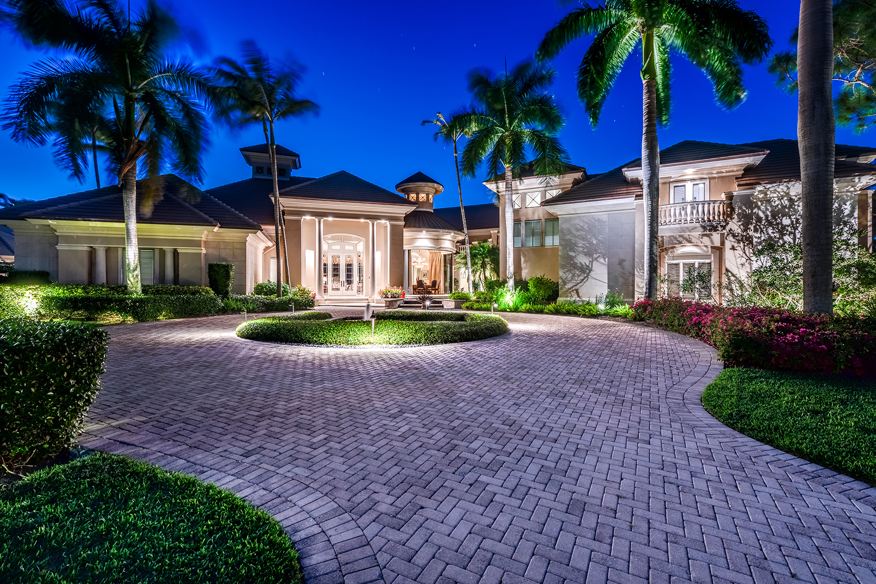 Single Family Homes pour l Vente à BONITA BAY - SPRING RIDGE 26070 Mandevilla Drive Bonita Springs, Floride 34134 États-Unis