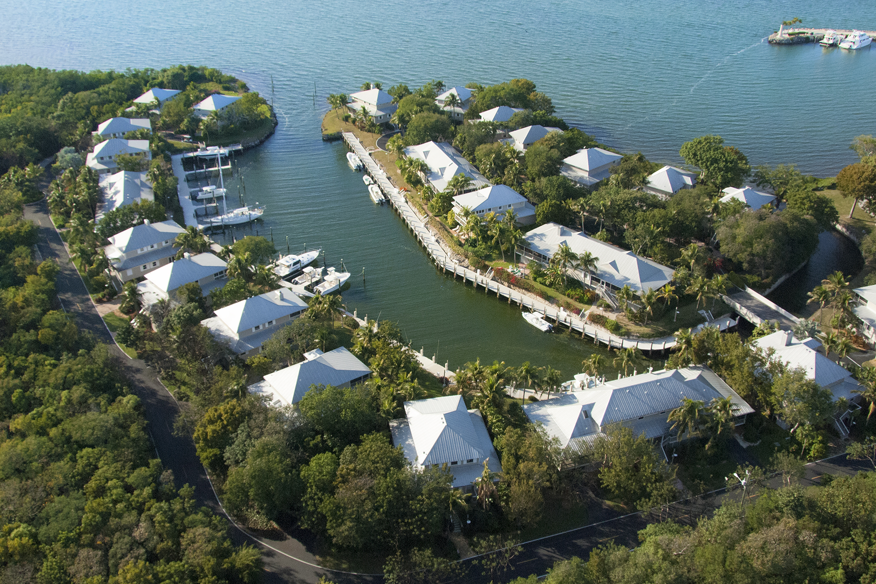 獨棟家庭住宅 為 出售 在 Waterfront Cottage - Key Largo Anglers Club 13 South Marina Drive Key Largo, 佛羅里達州 33037 美國