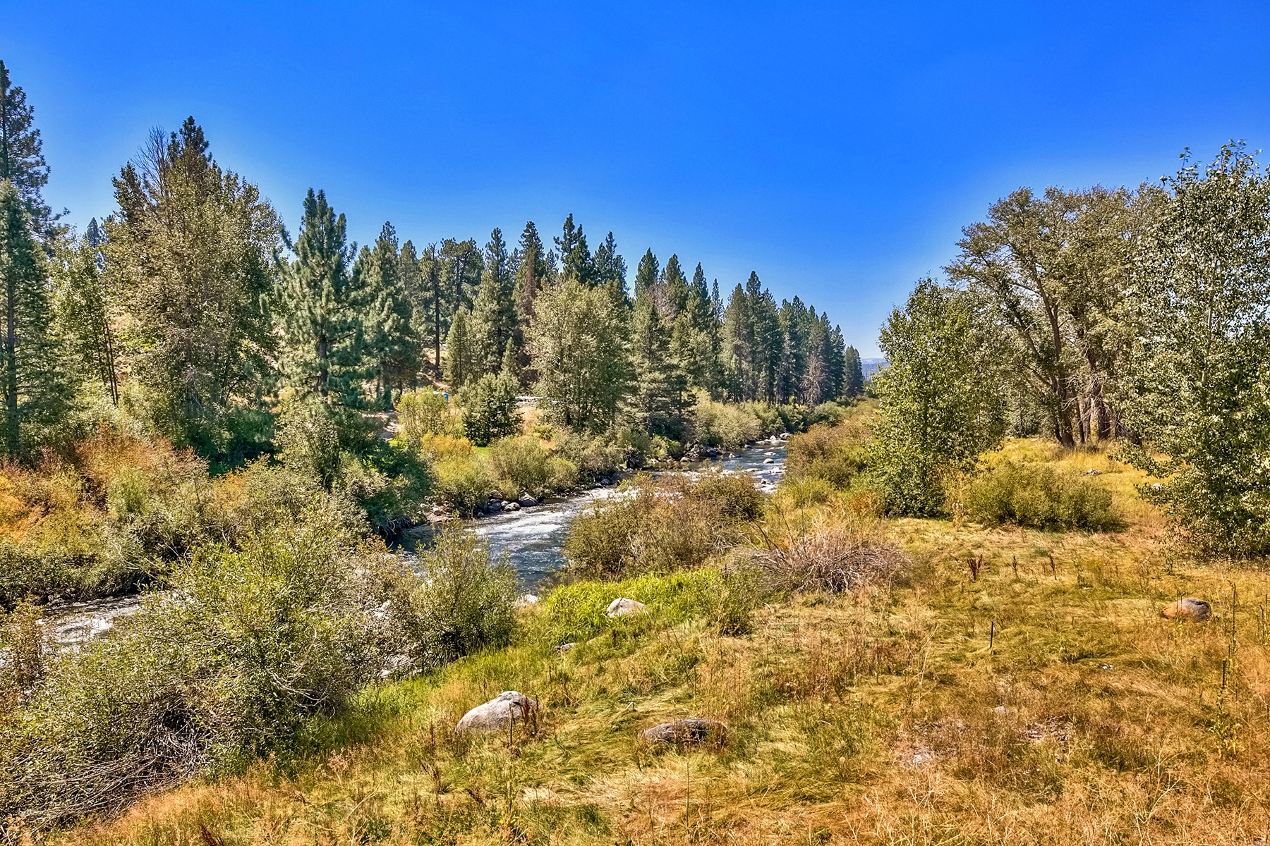 Additional photo for property listing at 10419 and 10477-10531 East River Street, Truckee, Ca 96161 10419 and 10477-10531 East River Street River's Edge Truckee, California 96161 United States