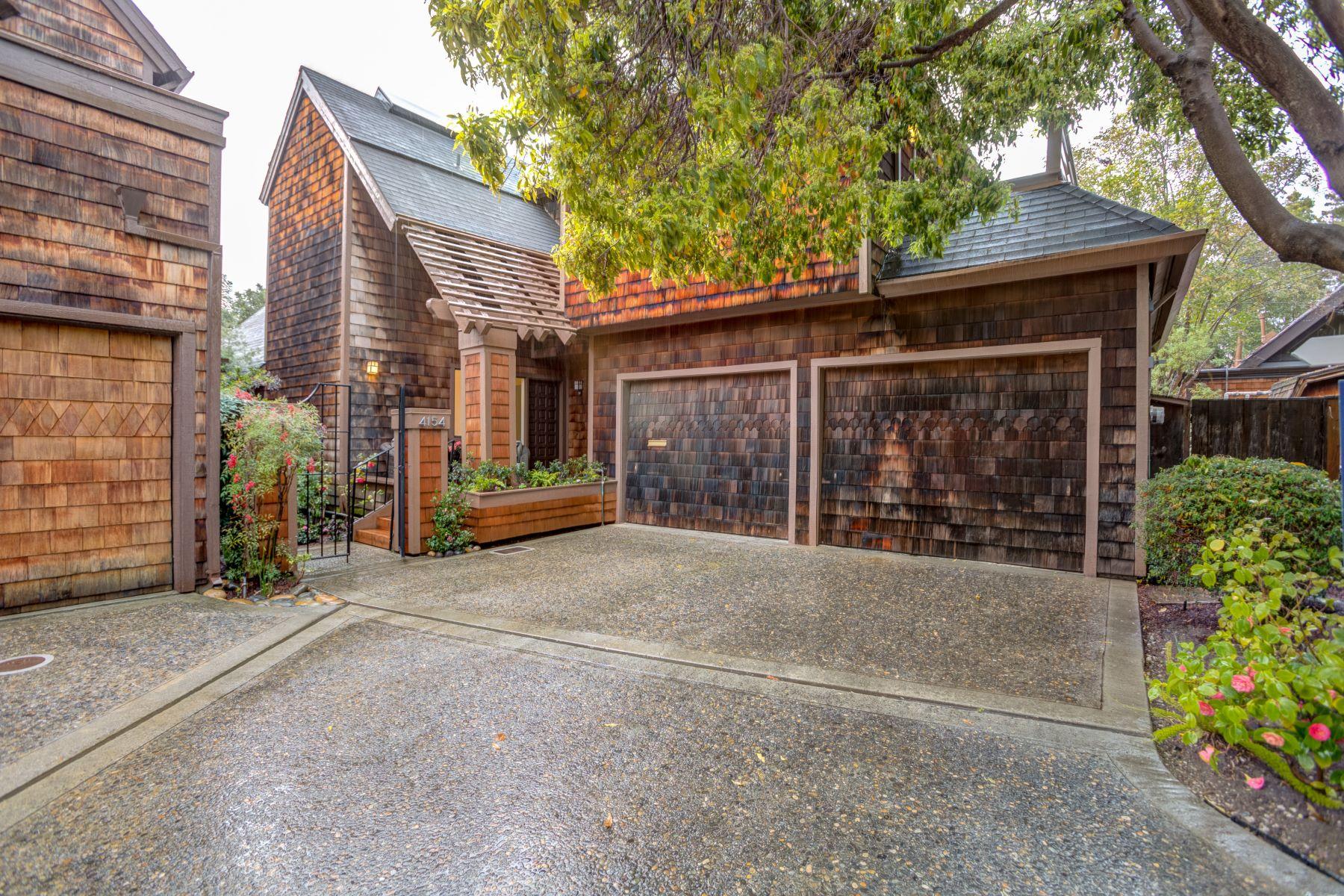 Maison unifamiliale pour l à vendre à Gorgeous and Dramatic Home 4154 Interdale Way, Palo Alto, Californie, 94306 États-Unis
