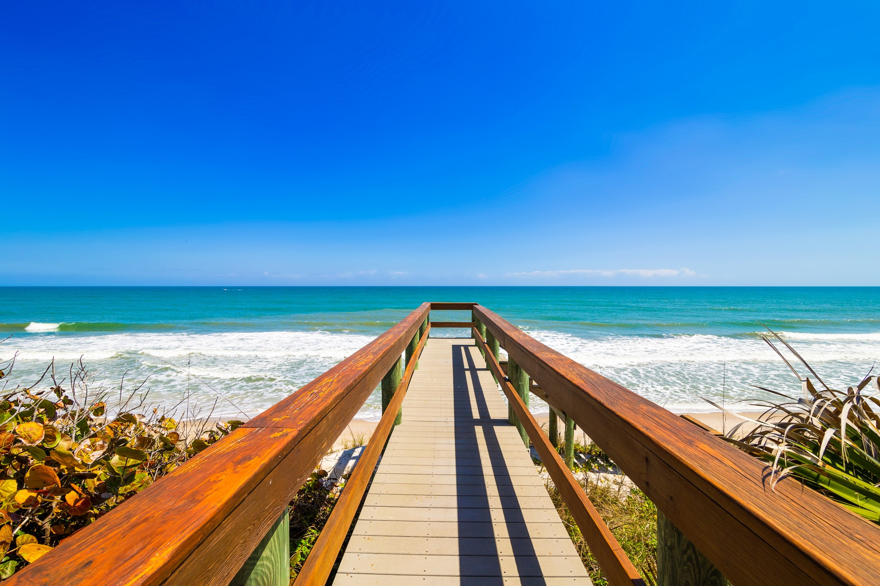 Additional photo for property listing at Spectacular Oceanfront Home Bordering Nature Preserve. 4515 Highway A1A Melbourne Beach, Florida 32951 United States