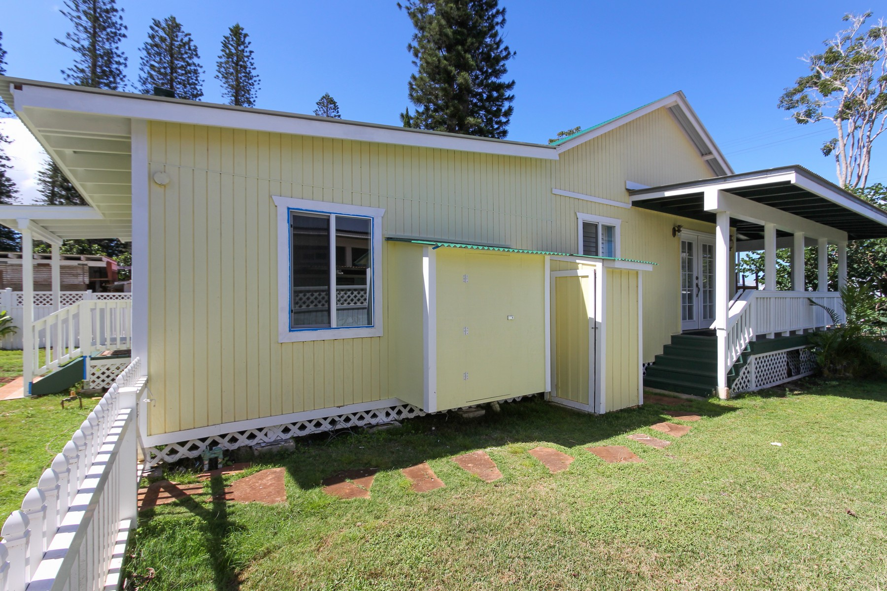 Additional photo for property listing at Plantation Style Perfection on Lana'i 534 Fraser Avenue Lanai City, ハワイ 96763 アメリカ合衆国