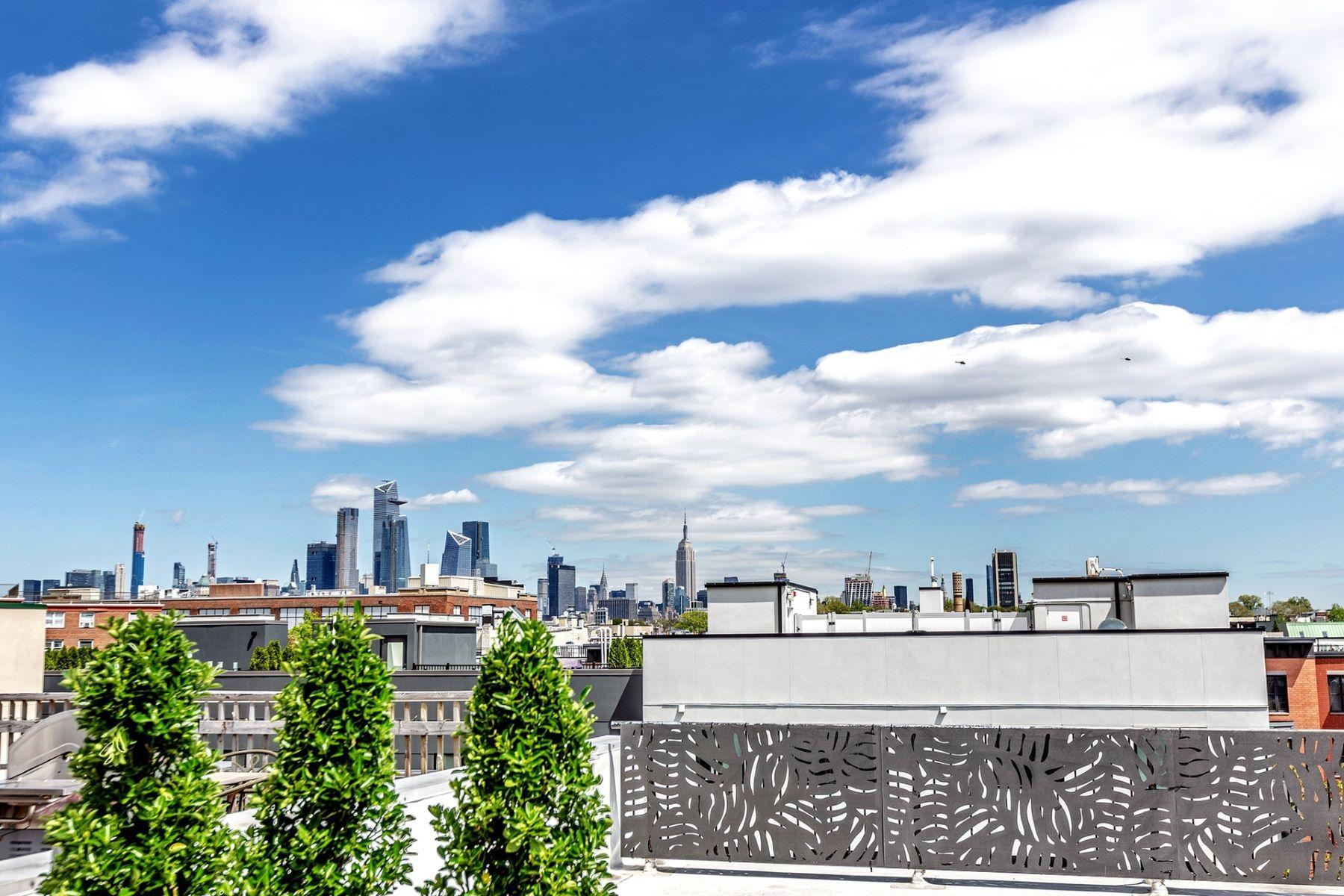 Condominiums 为 销售 在 Penthouse 2BR + Rooftop Patio! 717 Madison Street #5S, 霍博肯, 新泽西州 07030 美国
