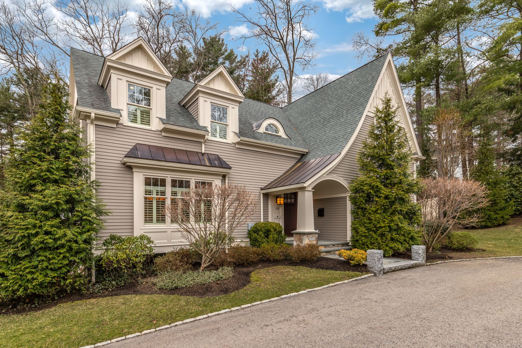 Single Family Homes por un Venta en 119 Brook Street Wellesley, Massachusetts 02482 Estados Unidos